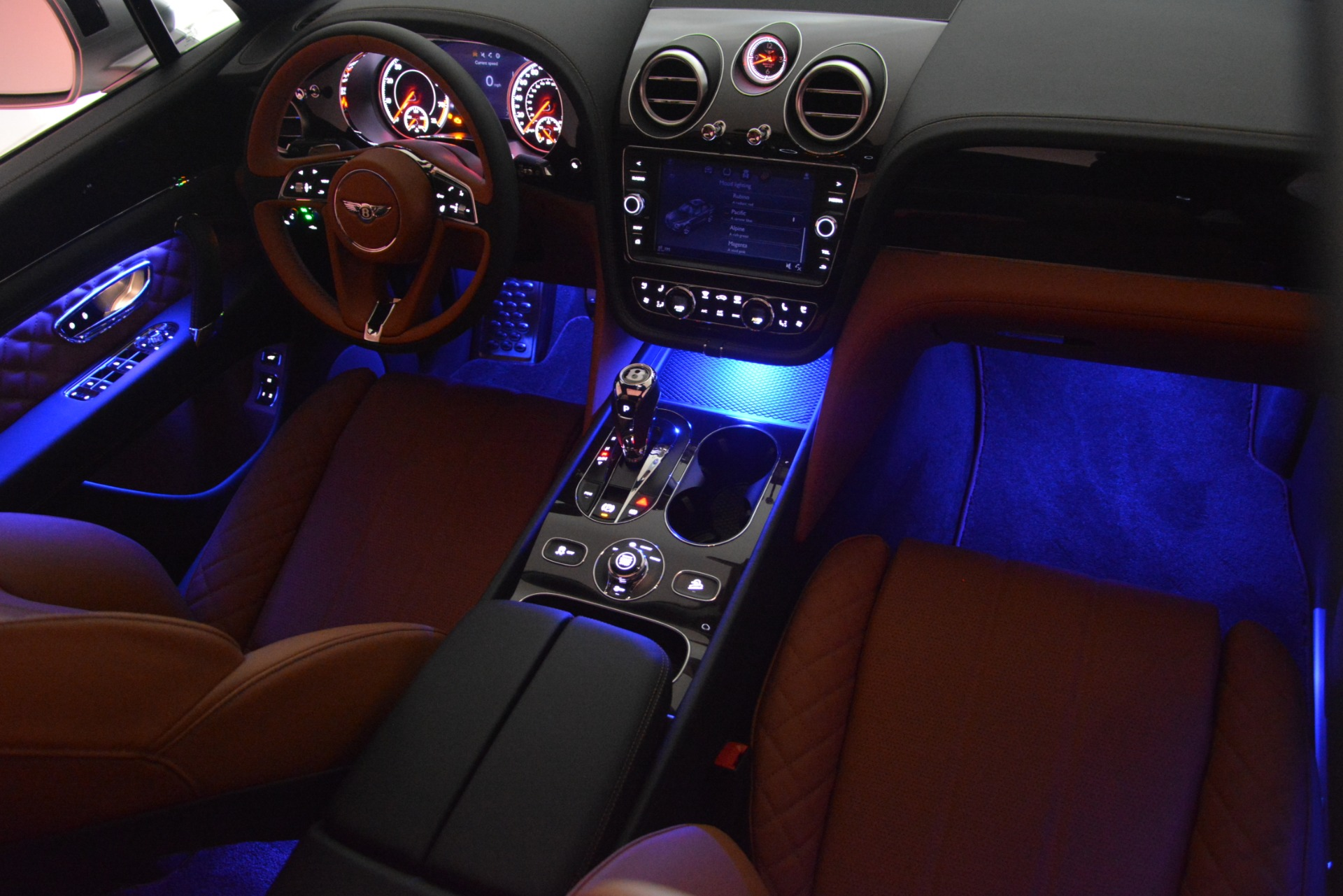 New 2019 Bentley Bentayga V8 For Sale In Greenwich, CT 2936_p31