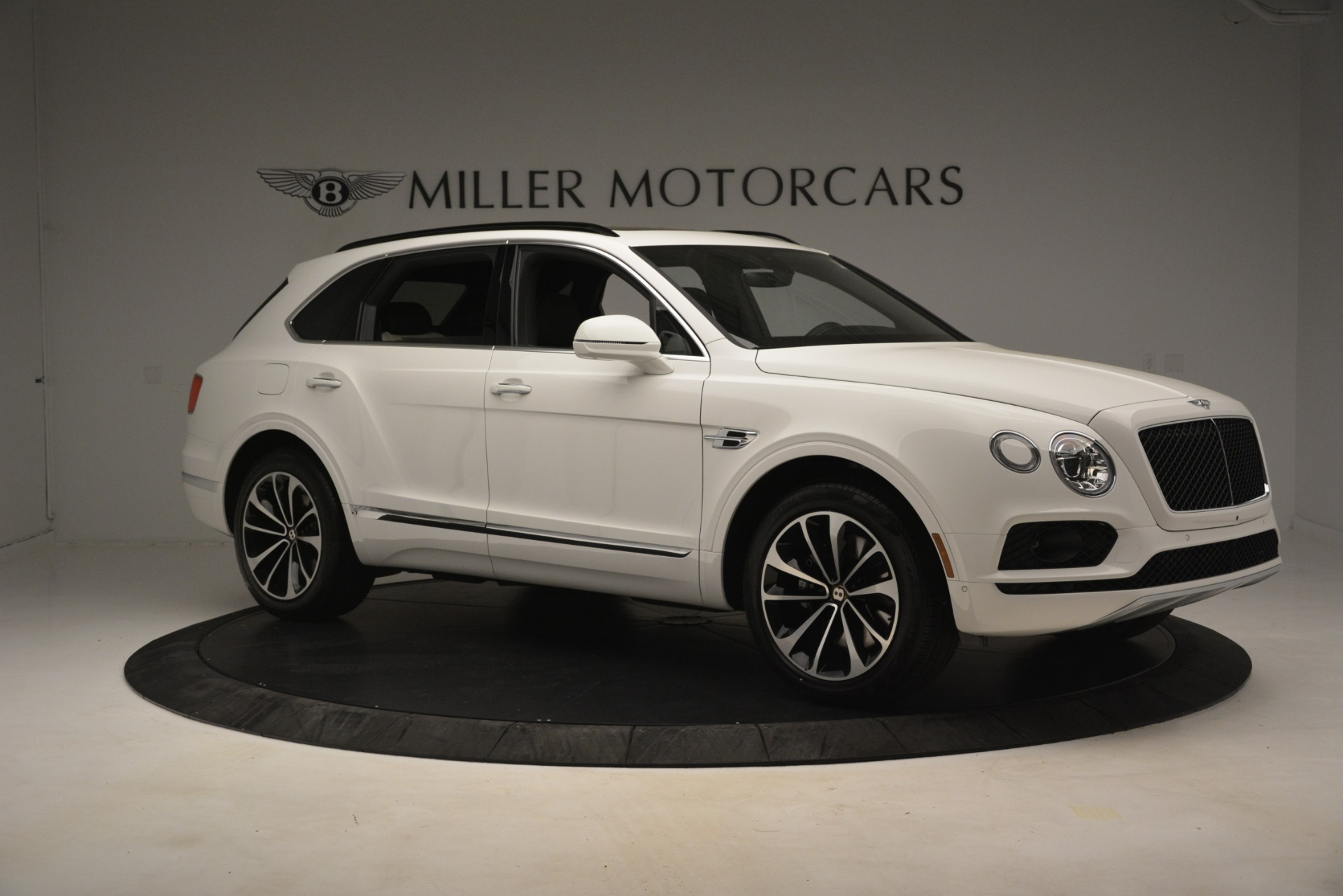 New 2019 Bentley Bentayga V8 For Sale In Greenwich, CT 2937_p10