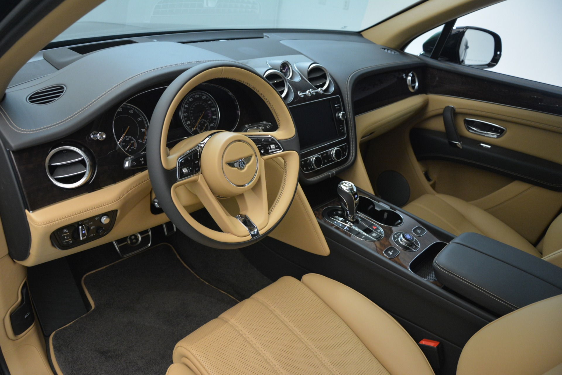 New 2019 Bentley Bentayga V8 For Sale In Greenwich, CT 2939_p13