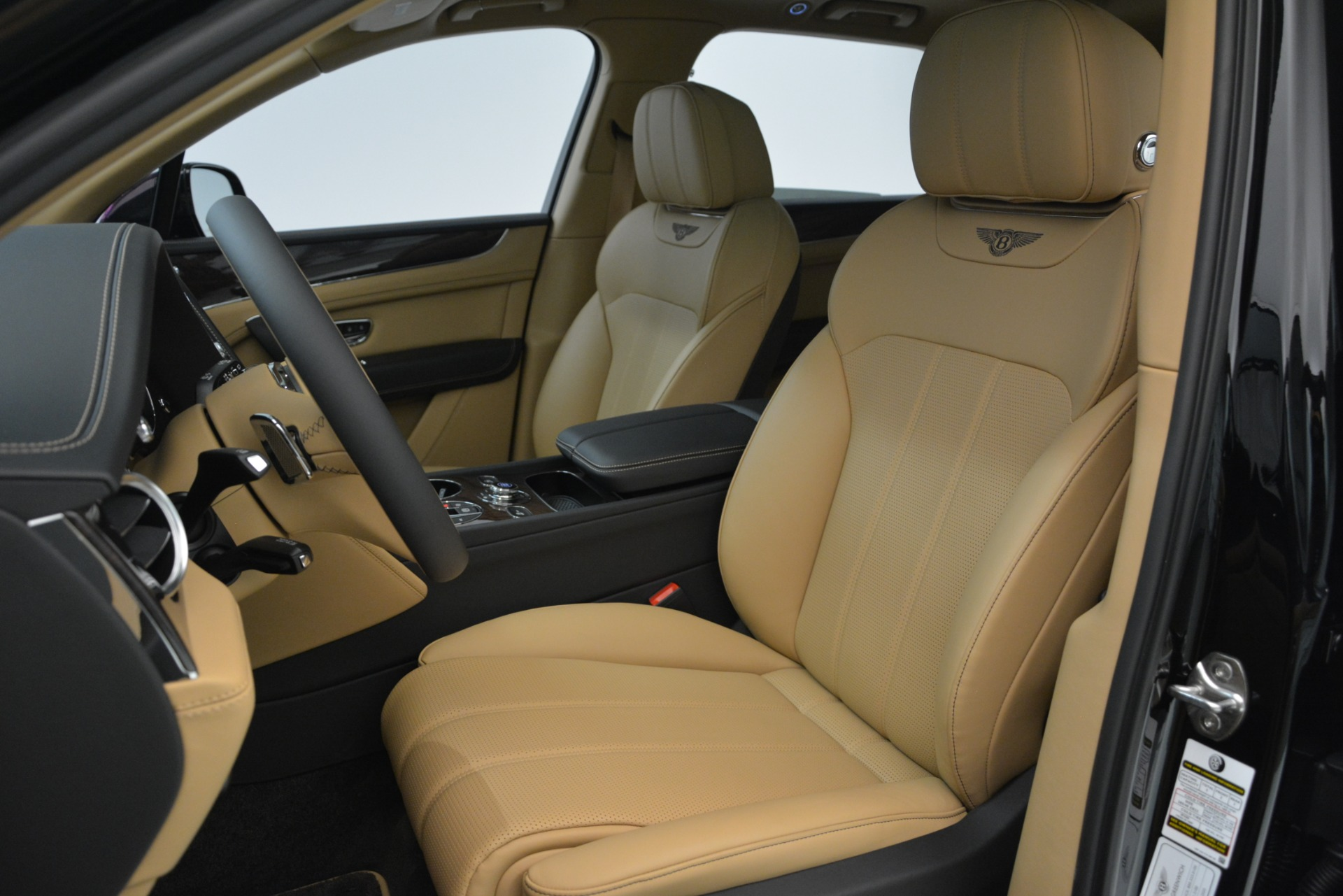 New 2019 Bentley Bentayga V8 For Sale In Greenwich, CT 2939_p15