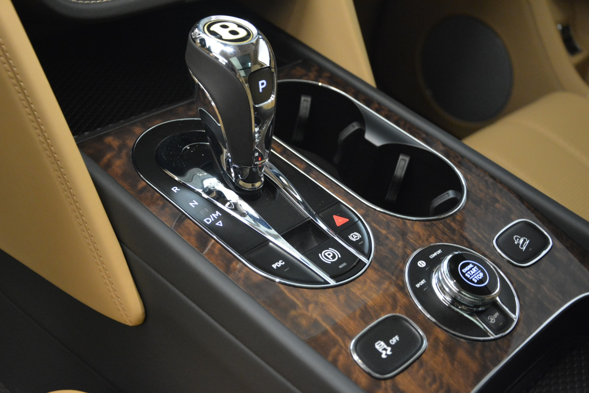 New 2019 Bentley Bentayga V8 For Sale In Greenwich, CT 2939_p17
