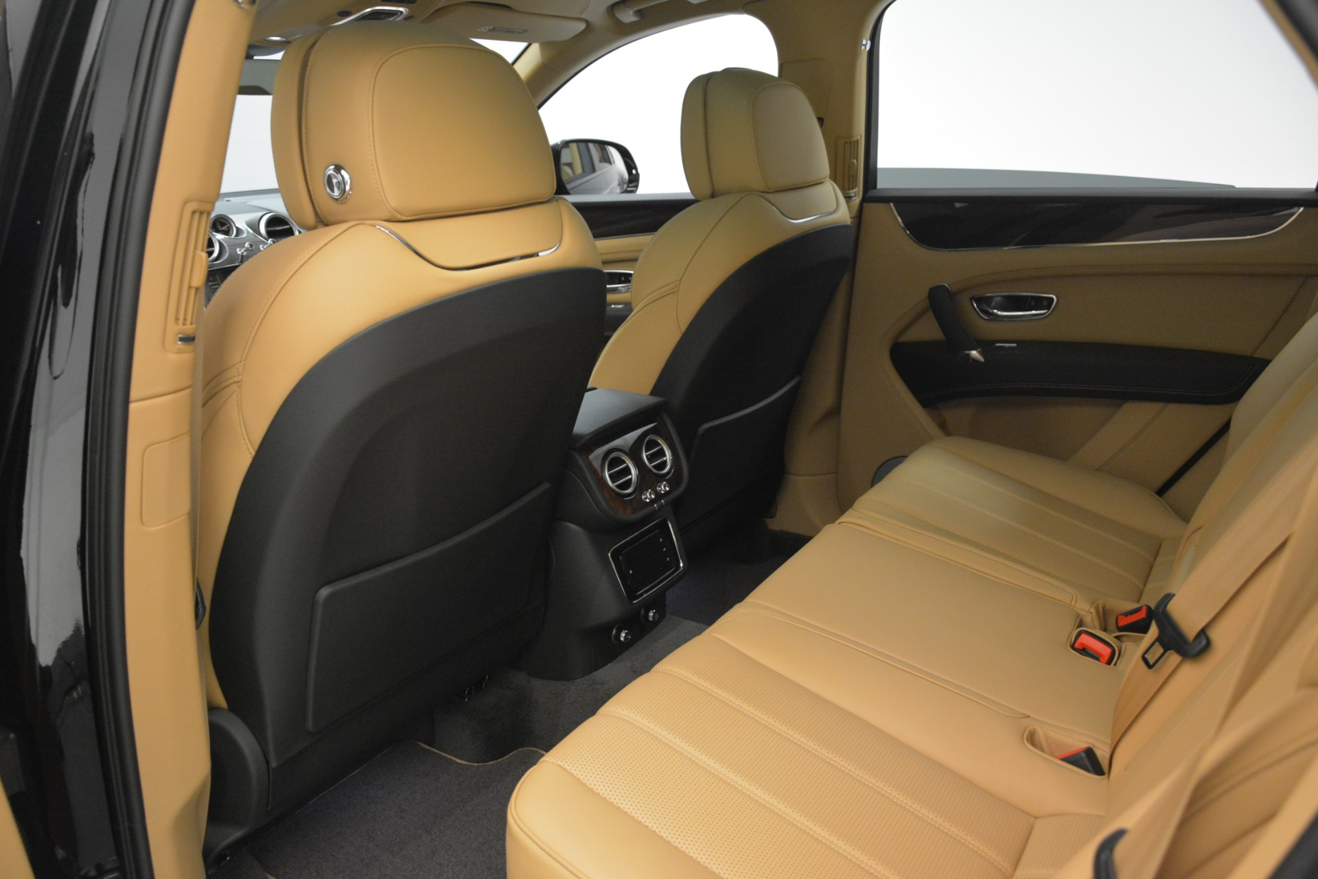 New 2019 Bentley Bentayga V8 For Sale In Greenwich, CT 2939_p18
