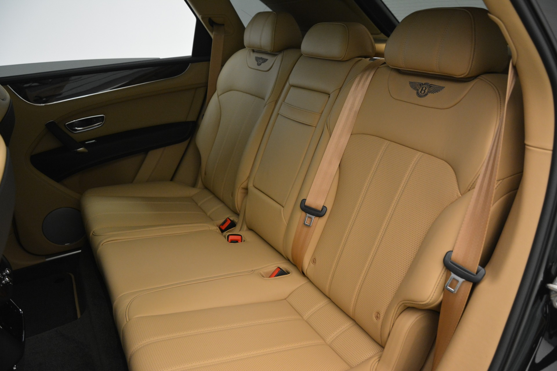 New 2019 Bentley Bentayga V8 For Sale In Greenwich, CT 2939_p20