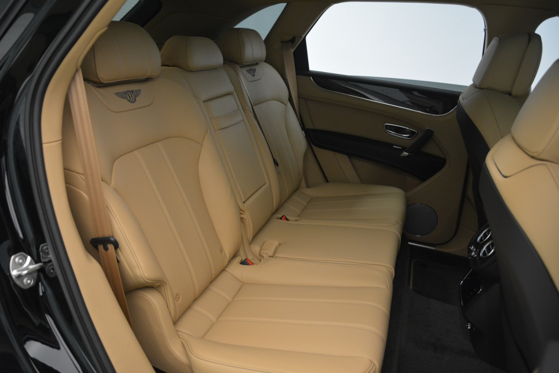 New 2019 Bentley Bentayga V8 For Sale In Greenwich, CT 2939_p26