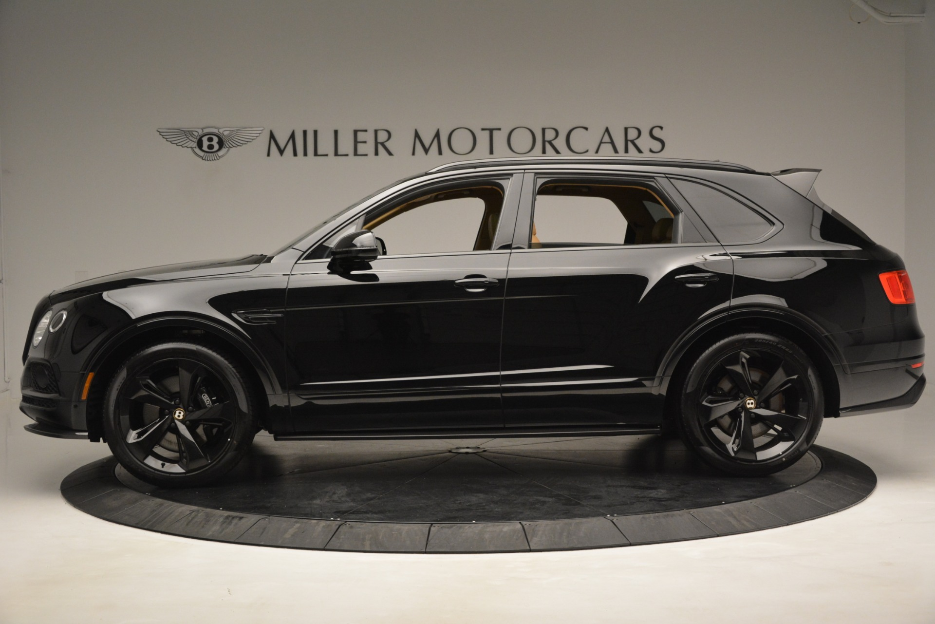 New 2019 Bentley Bentayga V8 For Sale In Greenwich, CT 2939_p2