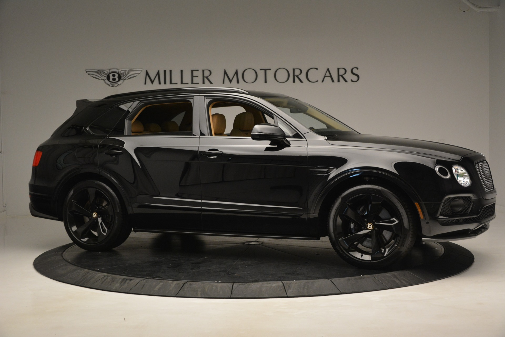 New 2019 Bentley Bentayga V8 For Sale In Greenwich, CT 2939_p9