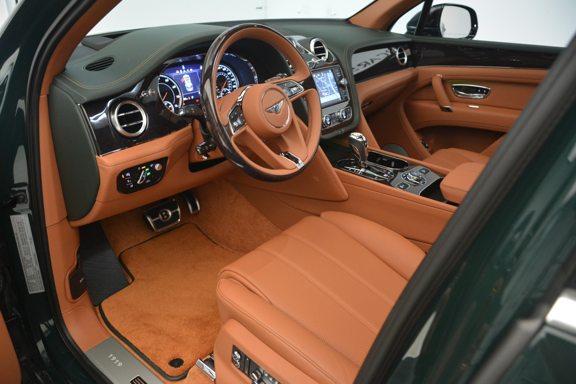 New 2019 Bentley Bentayga V8 For Sale In Greenwich, CT 2940_p15