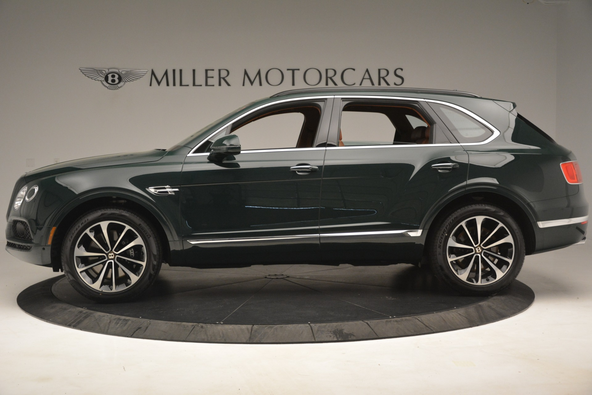 New 2019 Bentley Bentayga V8 For Sale In Greenwich, CT 2940_p3