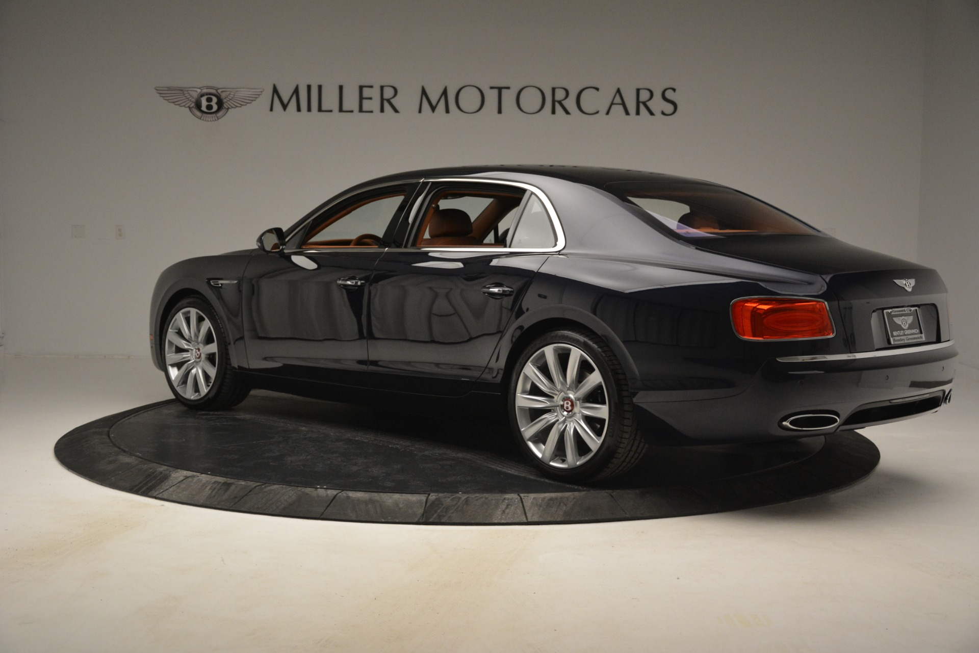 Used 2016 Bentley Flying Spur W12 For Sale In Greenwich, CT 2943_p4