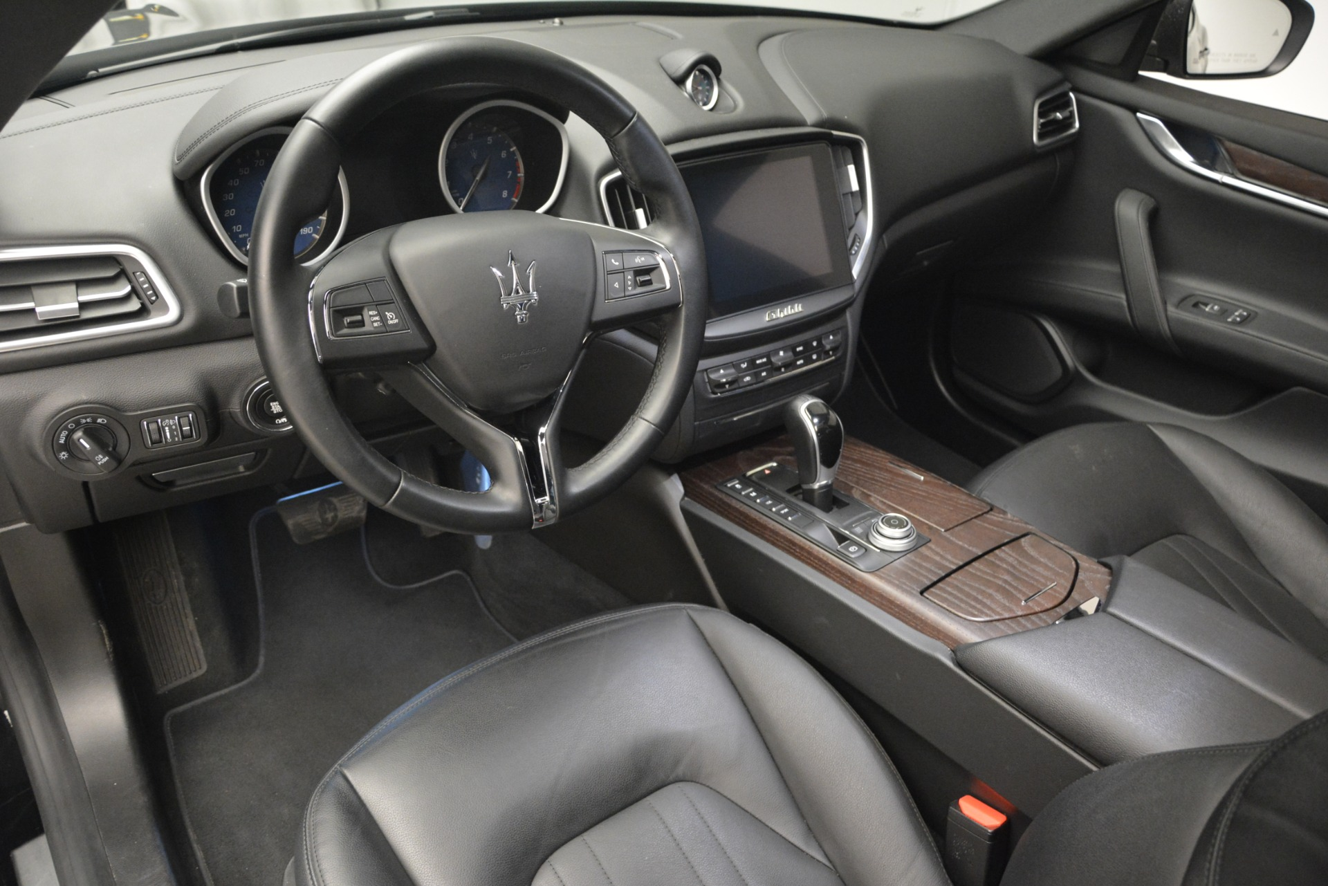 Used 2018 Maserati Ghibli S Q4 For Sale In Greenwich, CT 2944_p18