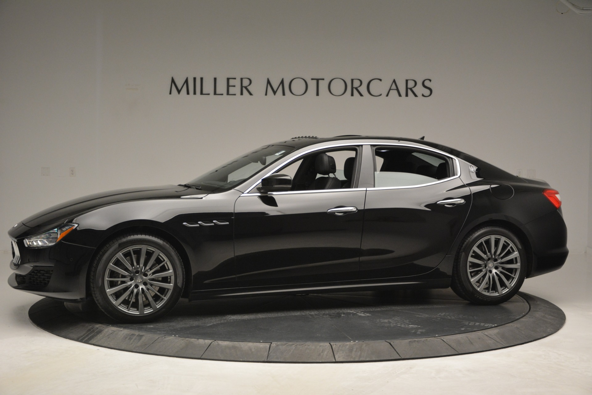 Used 2018 Maserati Ghibli S Q4 For Sale In Greenwich, CT 2944_p3