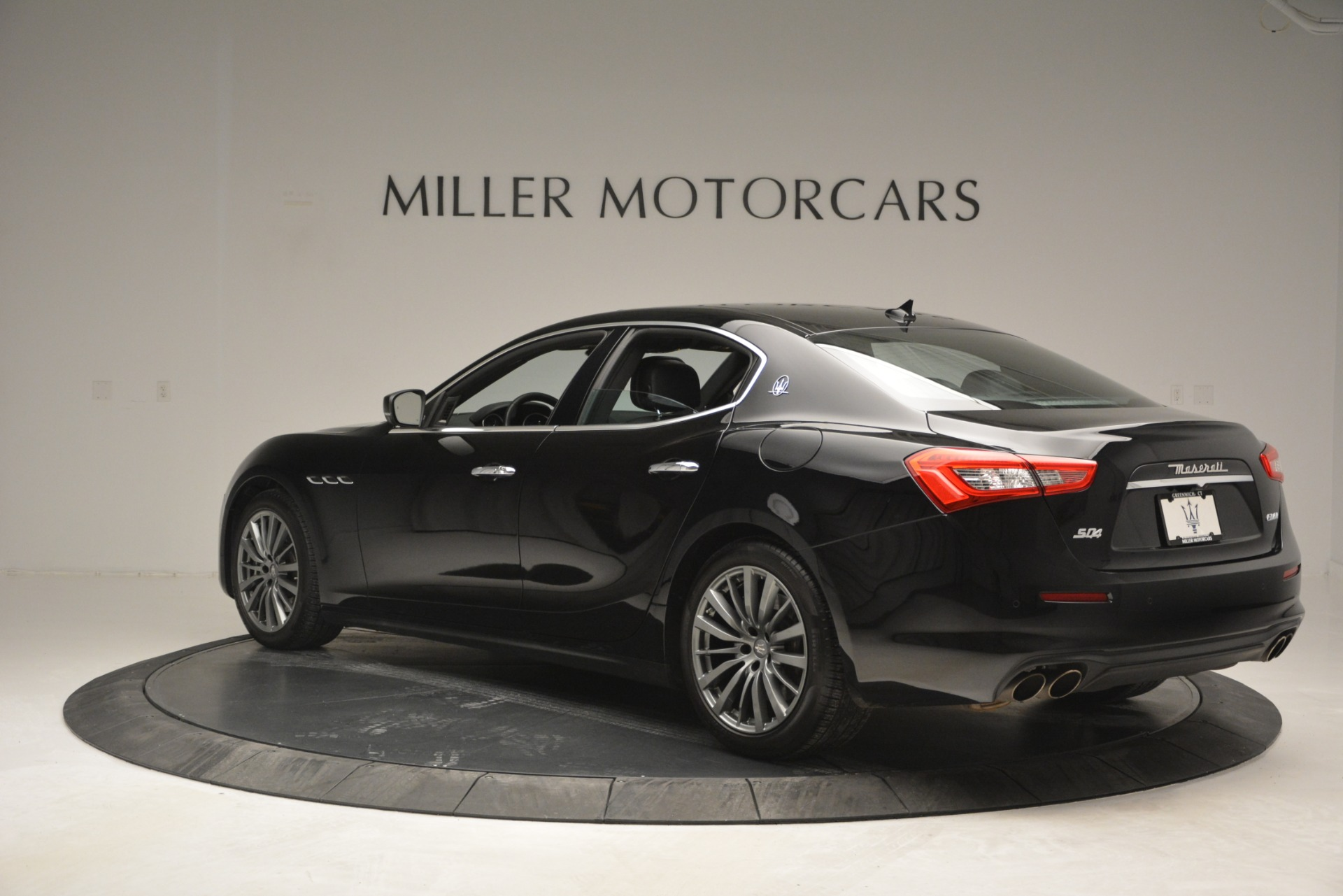 Used 2018 Maserati Ghibli S Q4 For Sale In Greenwich, CT 2944_p6