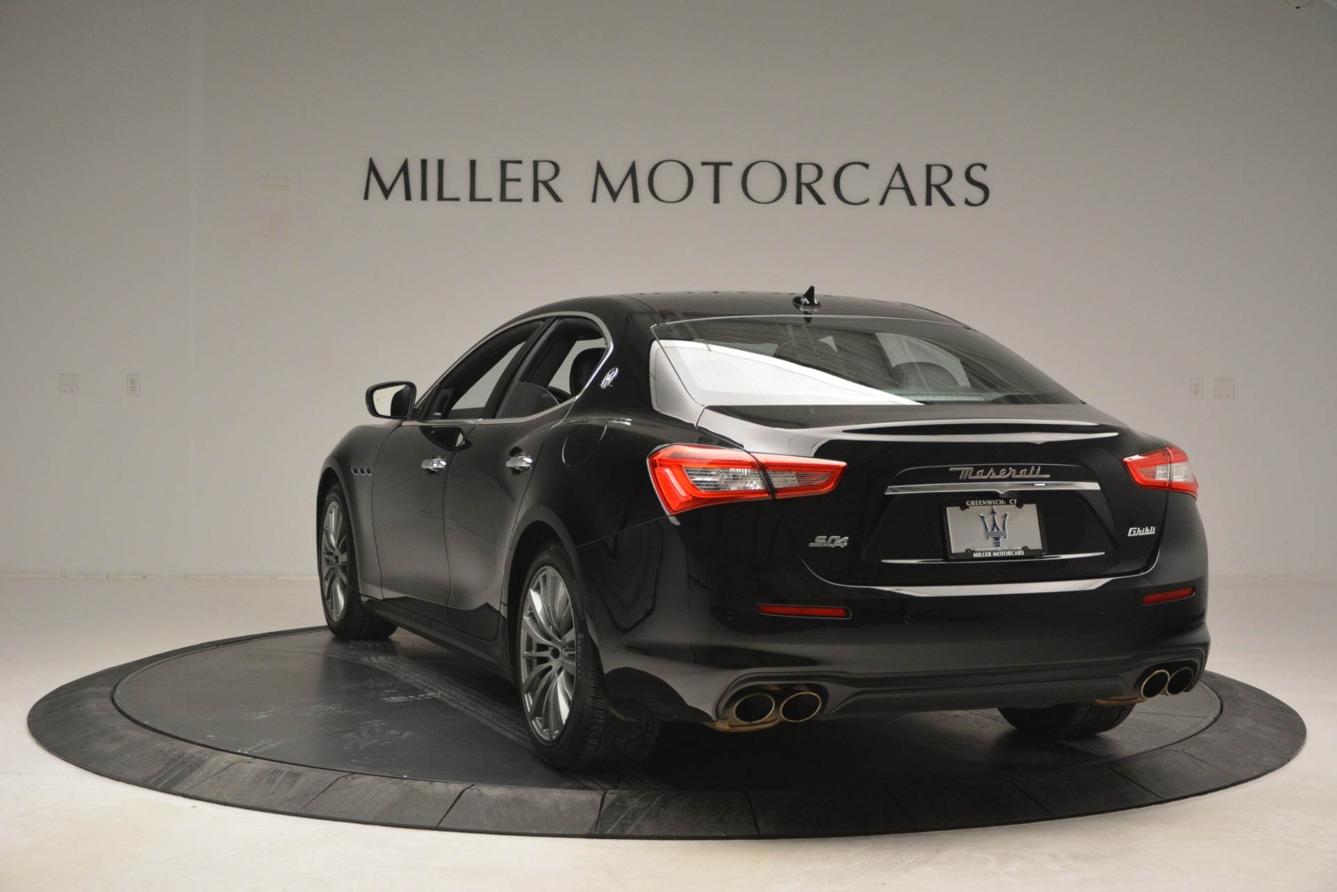 Used 2018 Maserati Ghibli S Q4 For Sale In Greenwich, CT 2944_p7