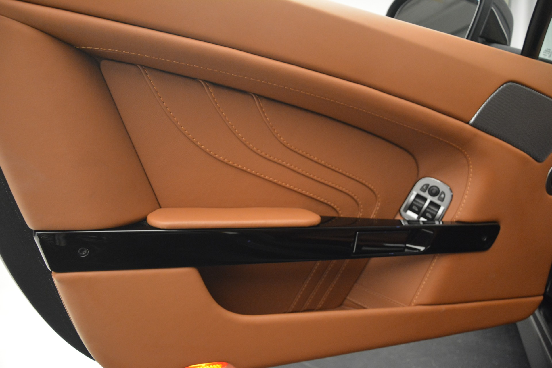 Used 2012 Aston Martin V8 Vantage S Coupe For Sale In Greenwich, CT 2951_p15