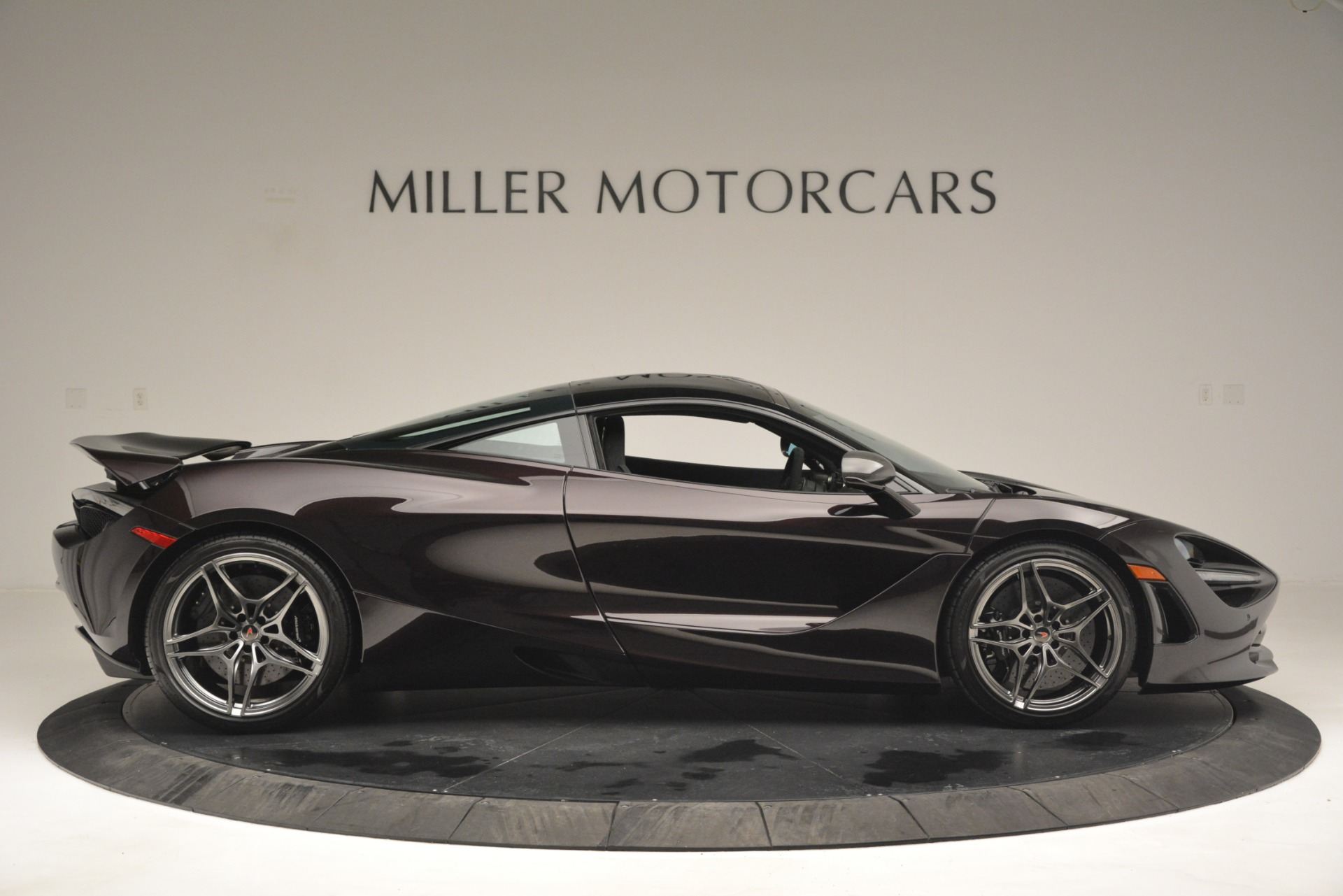 Used 2018 McLaren 720S Coupe For Sale In Greenwich, CT 2952_p9