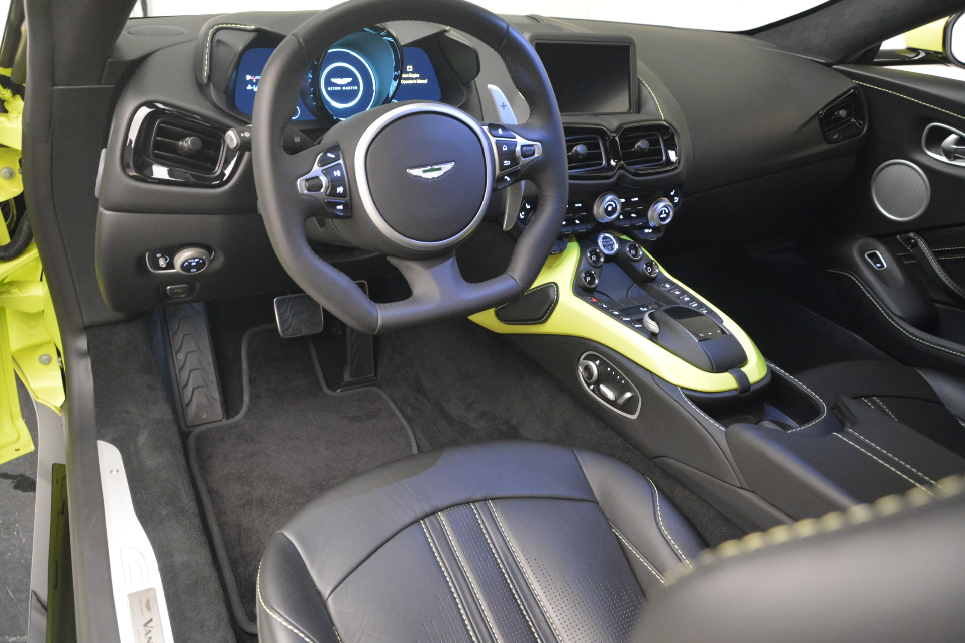 Used 2019 Aston Martin Vantage  For Sale In Greenwich, CT 2958_p15