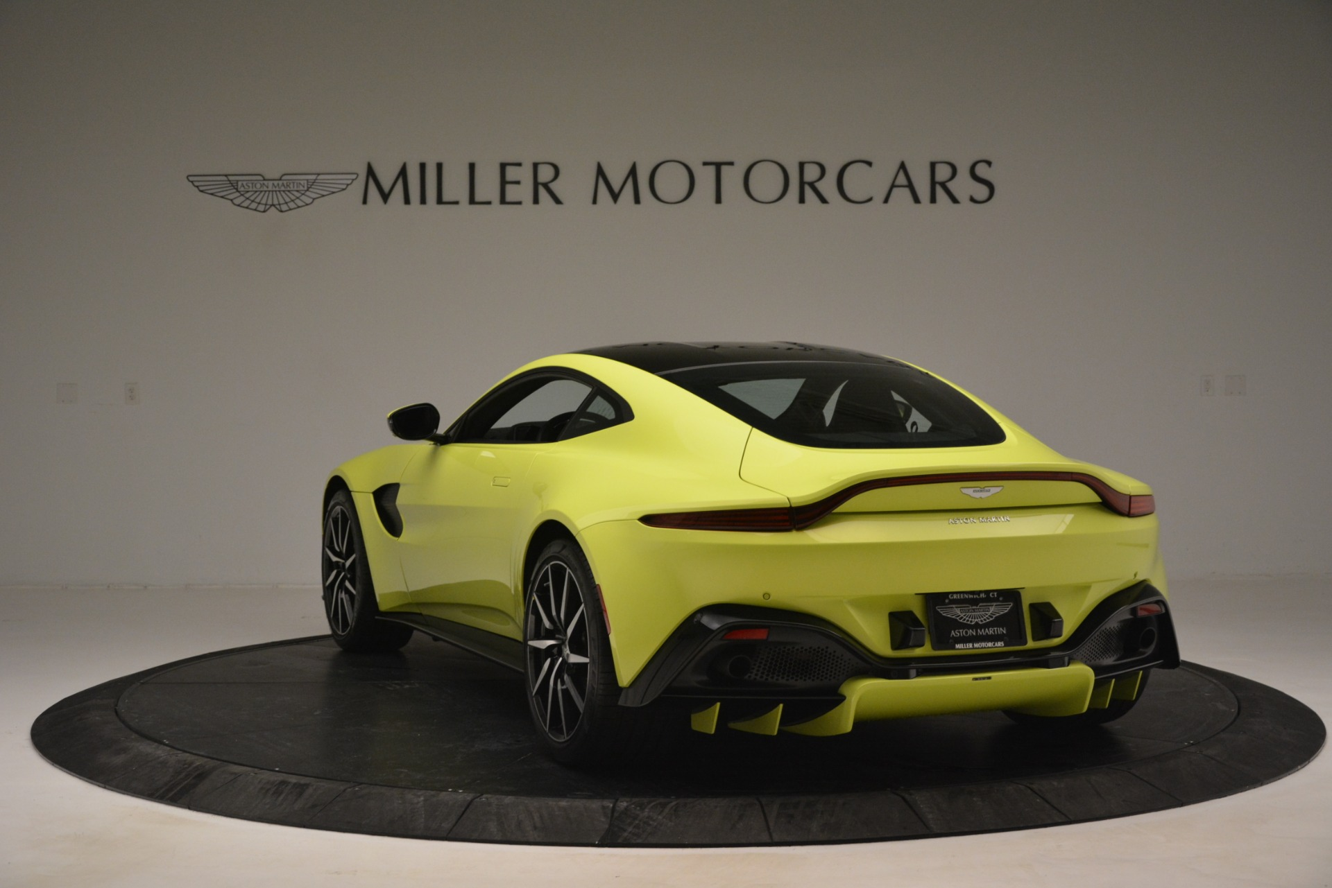 Used 2019 Aston Martin Vantage  For Sale In Greenwich, CT 2958_p5