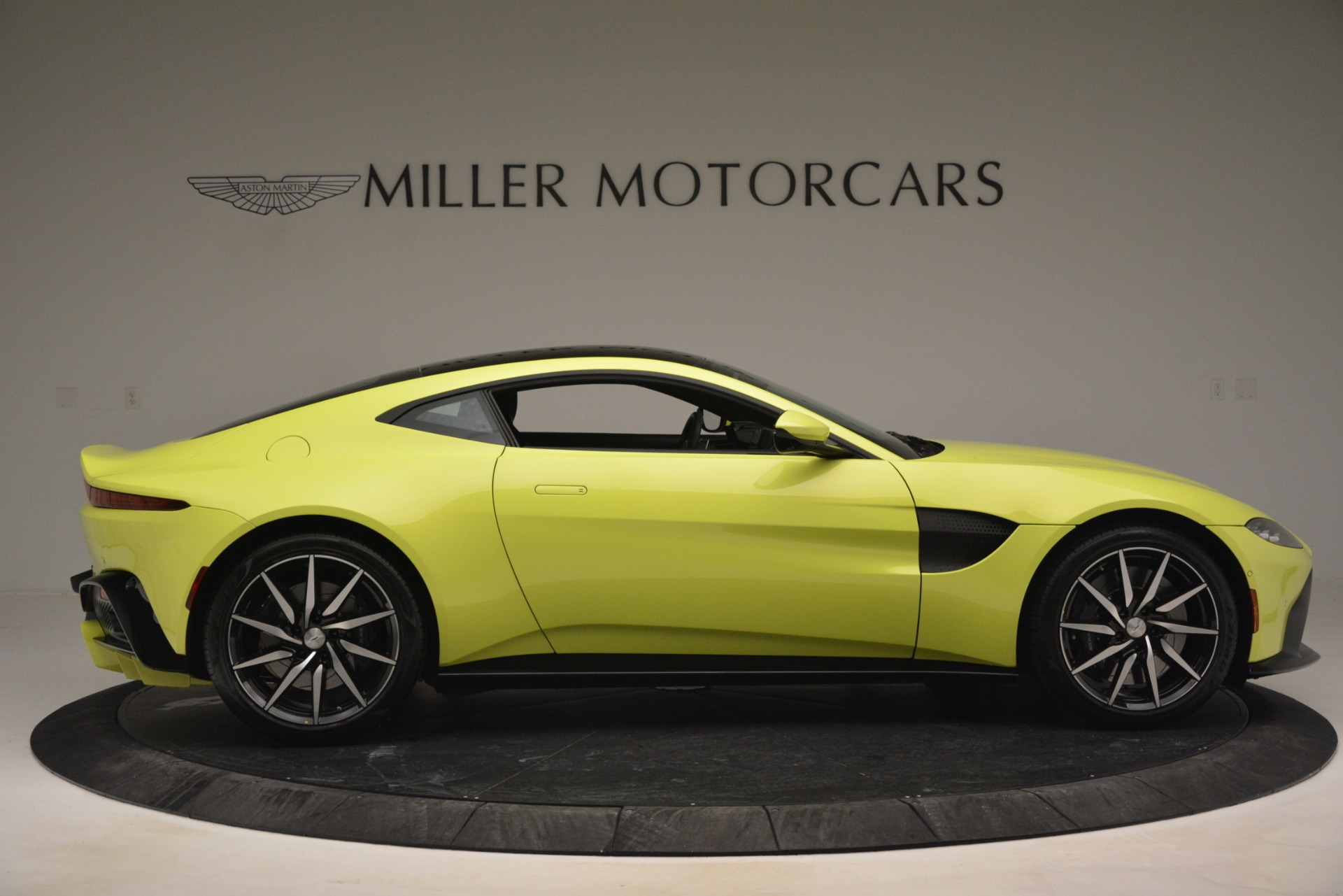 Used 2019 Aston Martin Vantage  For Sale In Greenwich, CT 2958_p9
