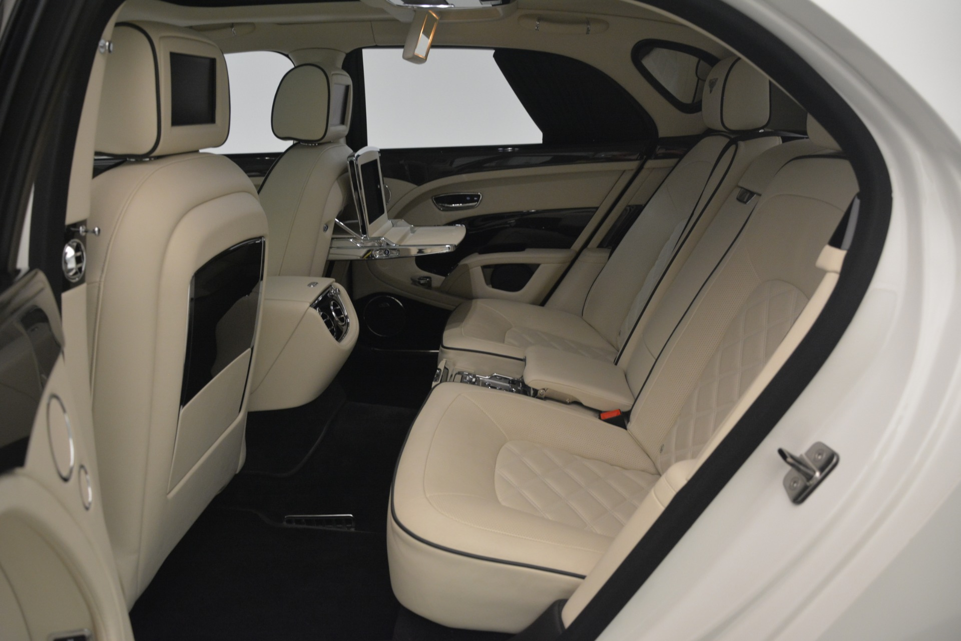 Used 2016 Bentley Mulsanne Speed For Sale In Greenwich, CT 2960_p27