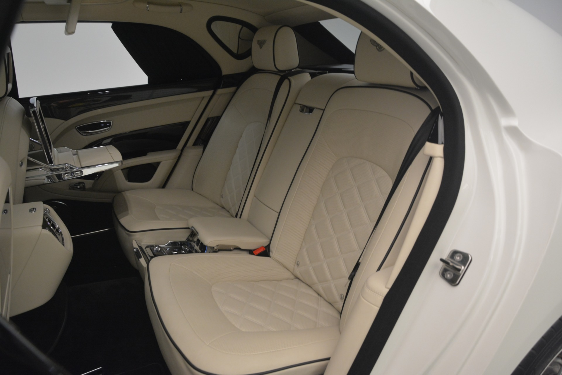 Used 2016 Bentley Mulsanne Speed For Sale In Greenwich, CT 2960_p28