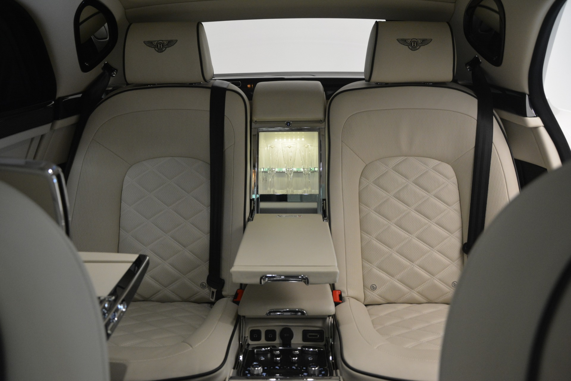 Used 2016 Bentley Mulsanne Speed For Sale In Greenwich, CT 2960_p29