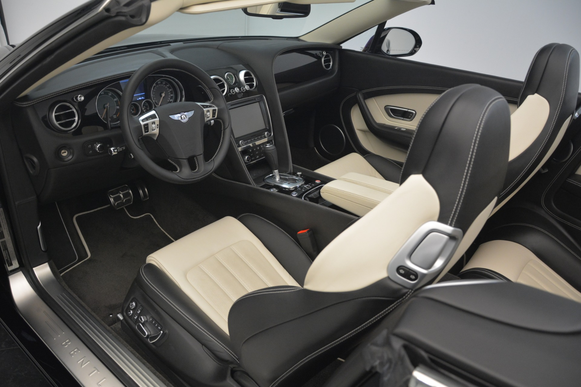Used 2014 Bentley Continental GT V8 For Sale In Greenwich, CT 2961_p25