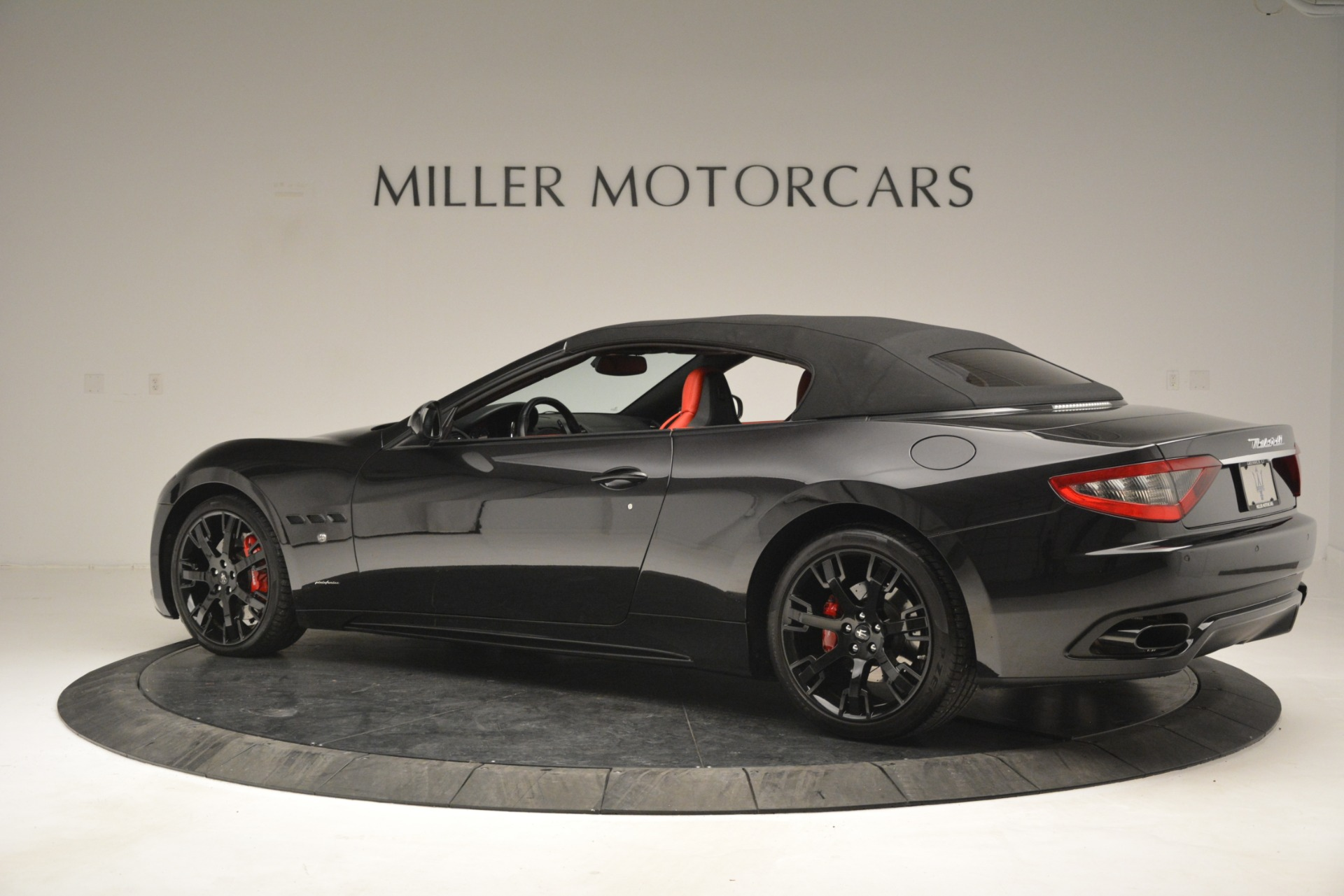 Used 2015 Maserati GranTurismo Sport For Sale In Greenwich, CT 2963_p16
