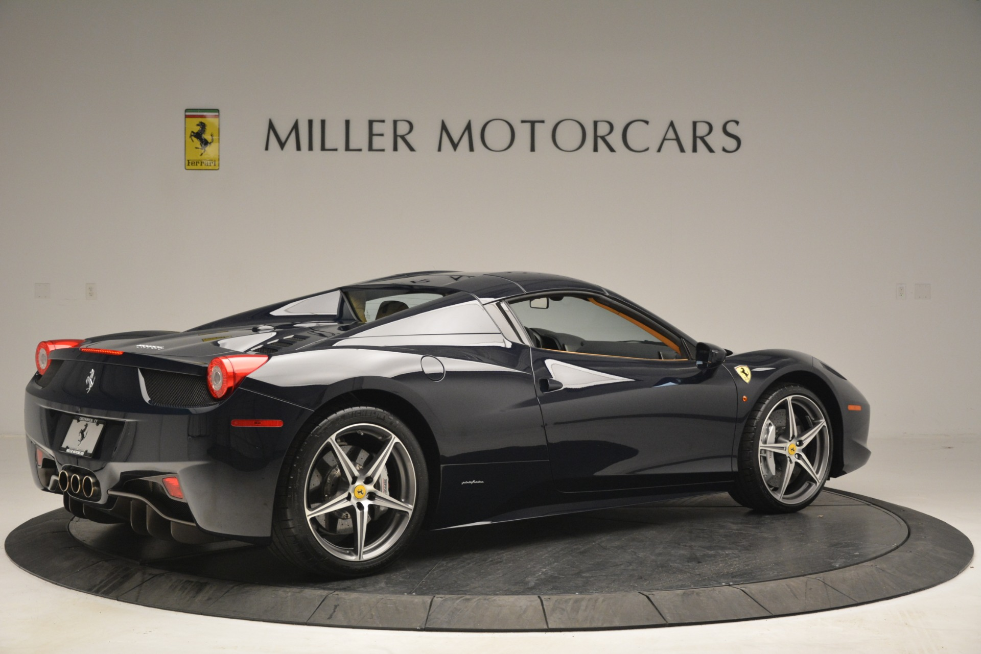 Used 2014 Ferrari 458 Spider  For Sale In Greenwich, CT 2964_p20
