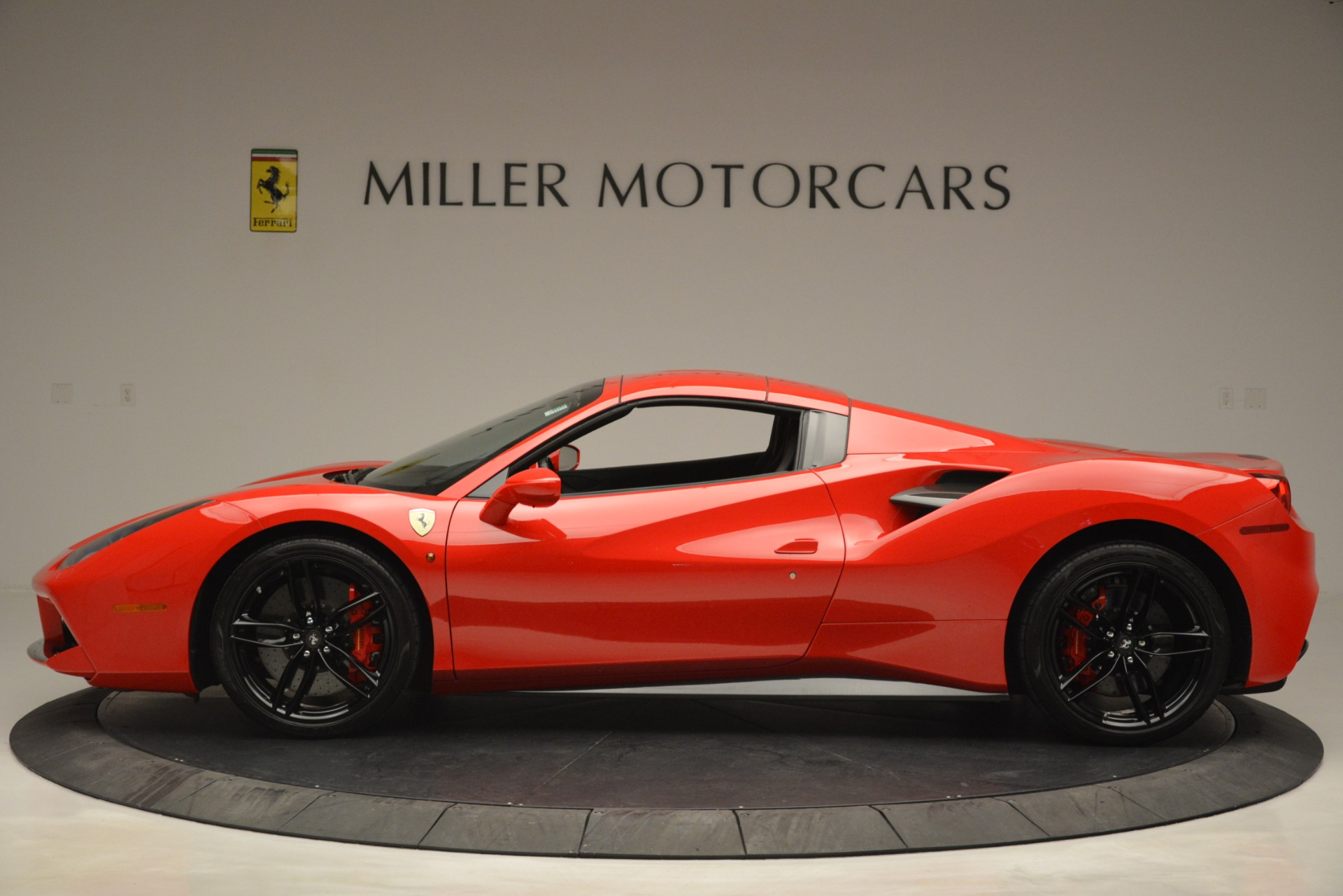 Used 2017 Ferrari 488 Spider  For Sale In Greenwich, CT 2965_p15