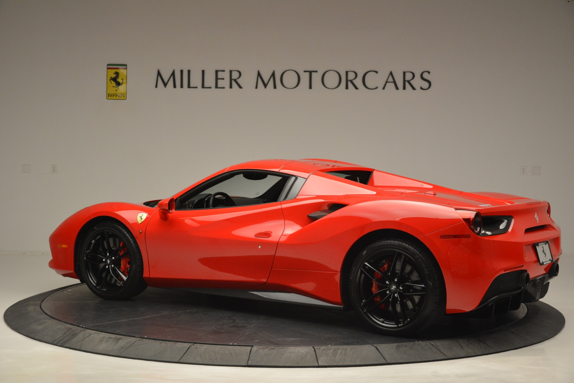 Used 2017 Ferrari 488 Spider  For Sale In Greenwich, CT 2965_p16