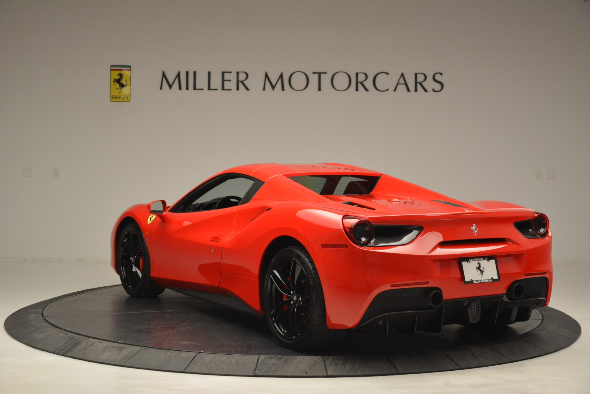 Used 2017 Ferrari 488 Spider  For Sale In Greenwich, CT 2965_p17