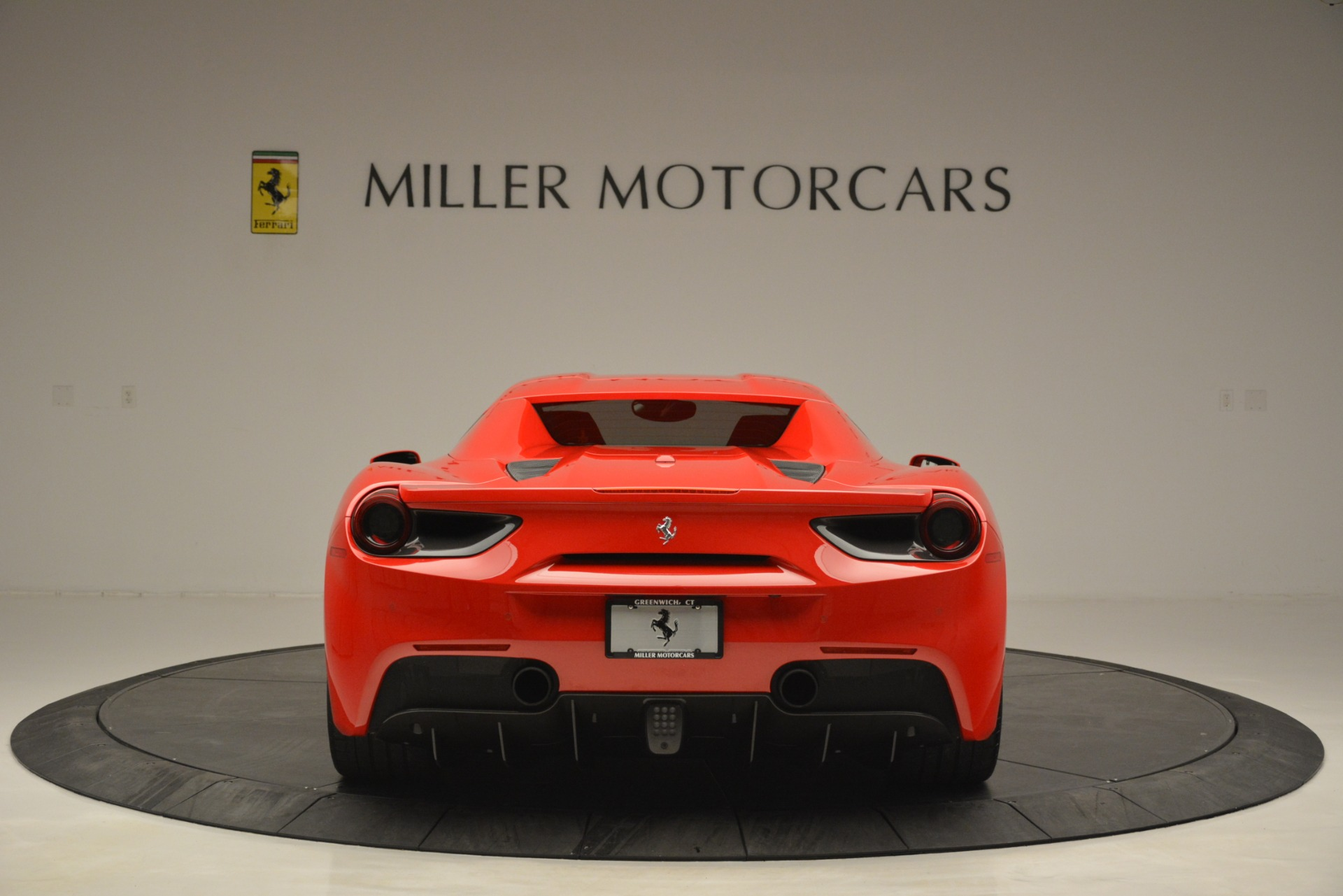 Used 2017 Ferrari 488 Spider  For Sale In Greenwich, CT 2965_p18
