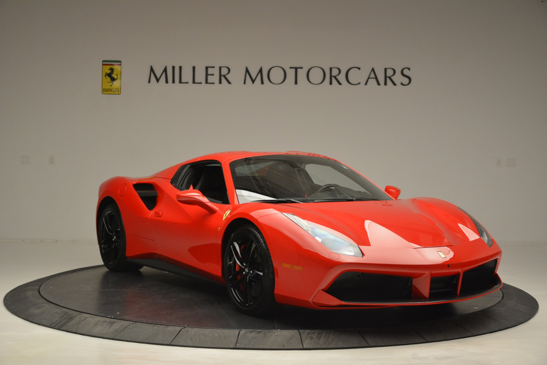 Used 2017 Ferrari 488 Spider  For Sale In Greenwich, CT 2965_p23