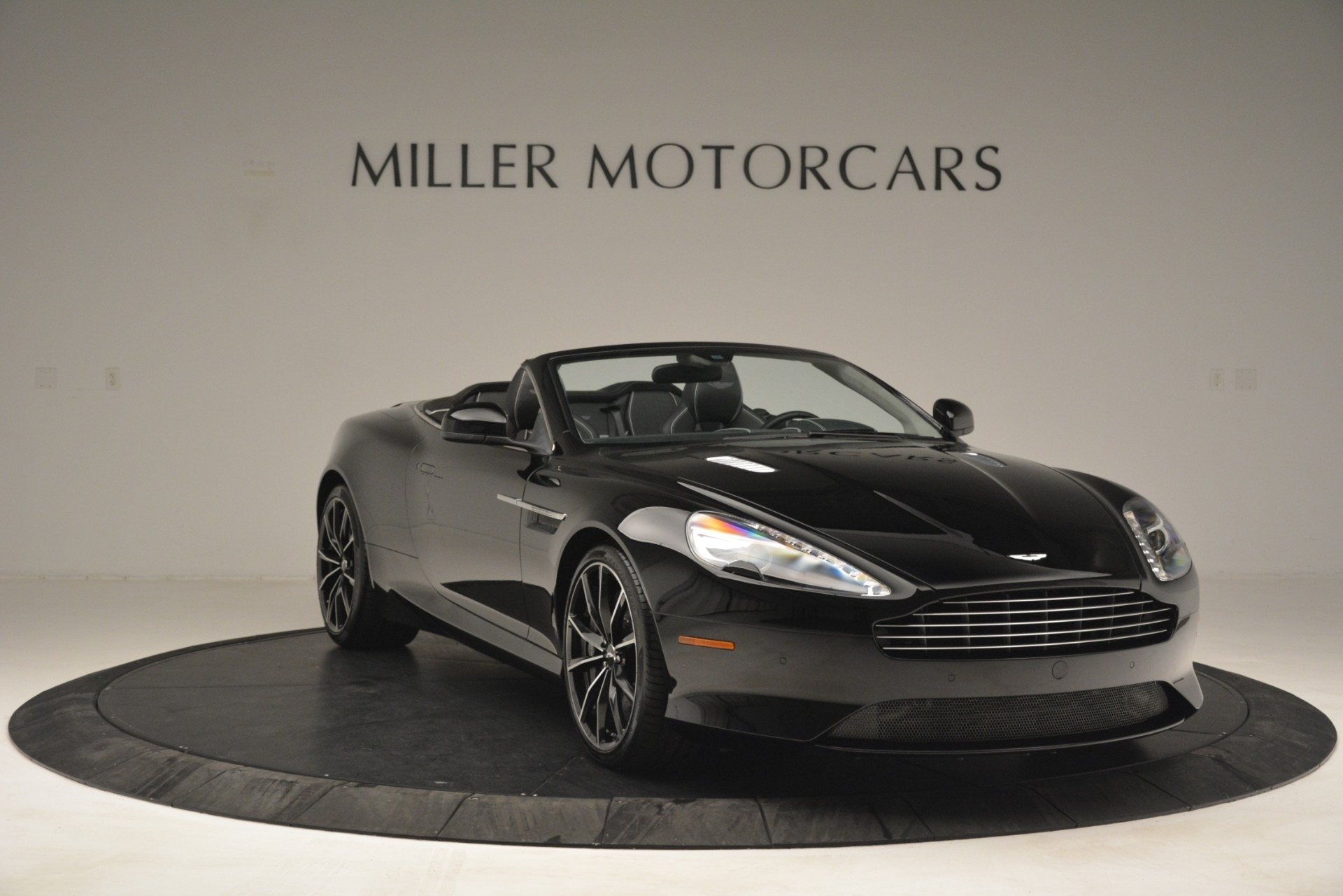 Used 2016 Aston Martin DB9 Convertible For Sale In Greenwich, CT 2971_p11