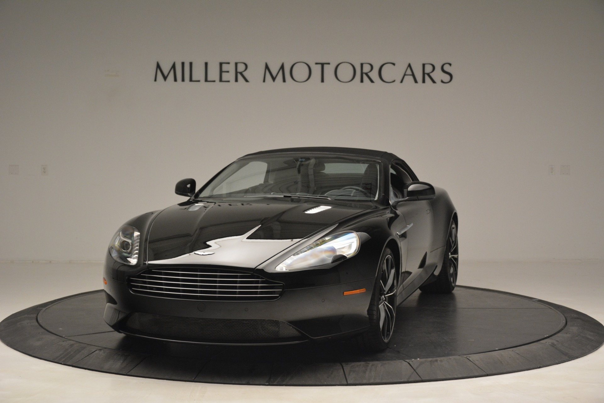 Used 2016 Aston Martin DB9 Convertible For Sale In Greenwich, CT 2971_p23