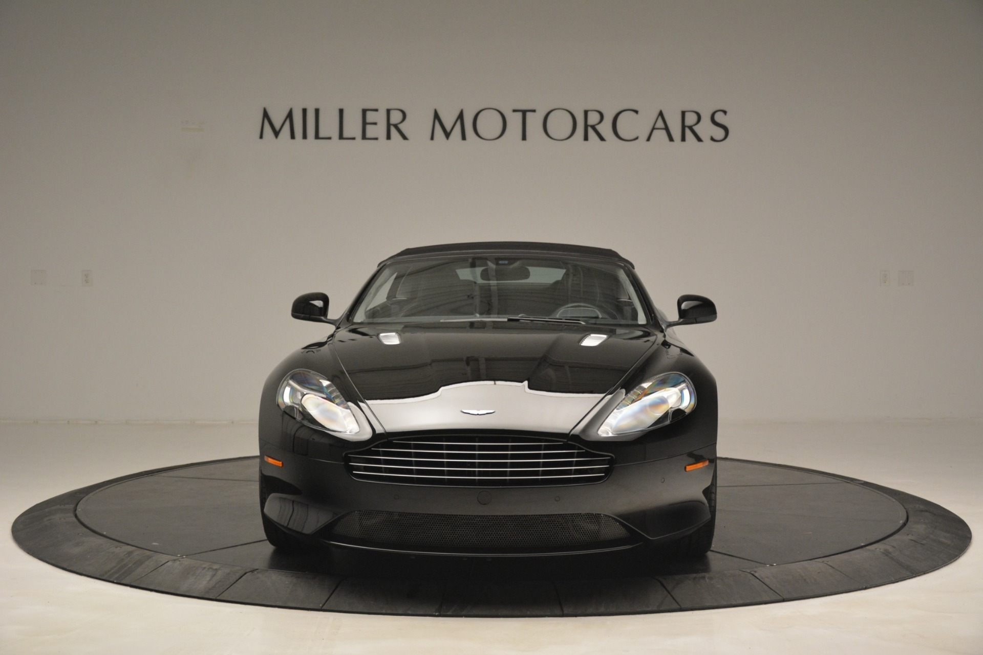 Used 2016 Aston Martin DB9 Convertible For Sale In Greenwich, CT 2971_p34
