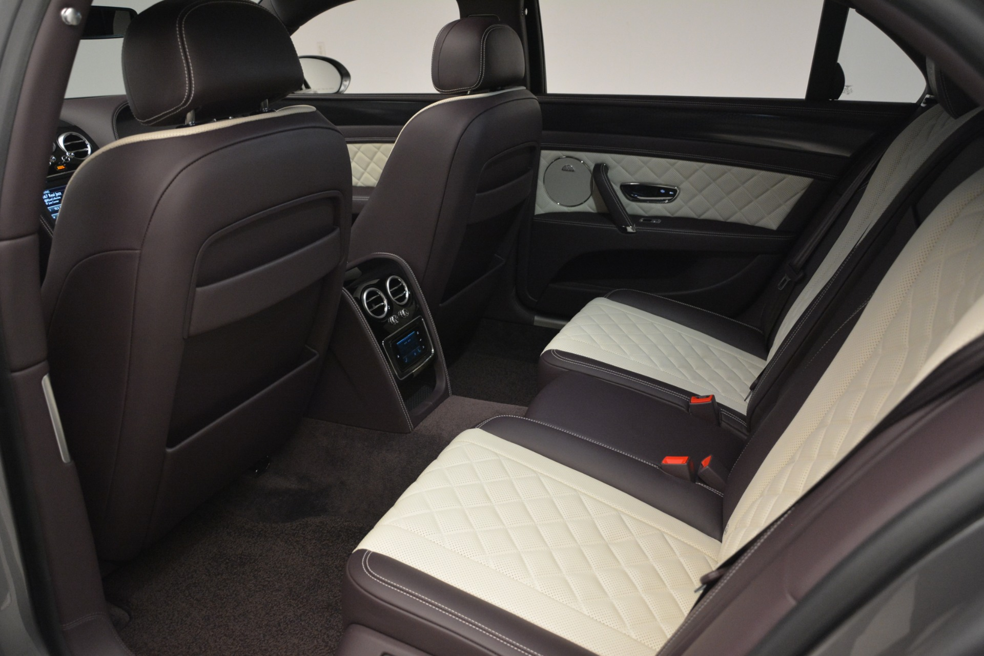 Used 2018 Bentley Flying Spur W12 S For Sale In Greenwich, CT 2973_p26
