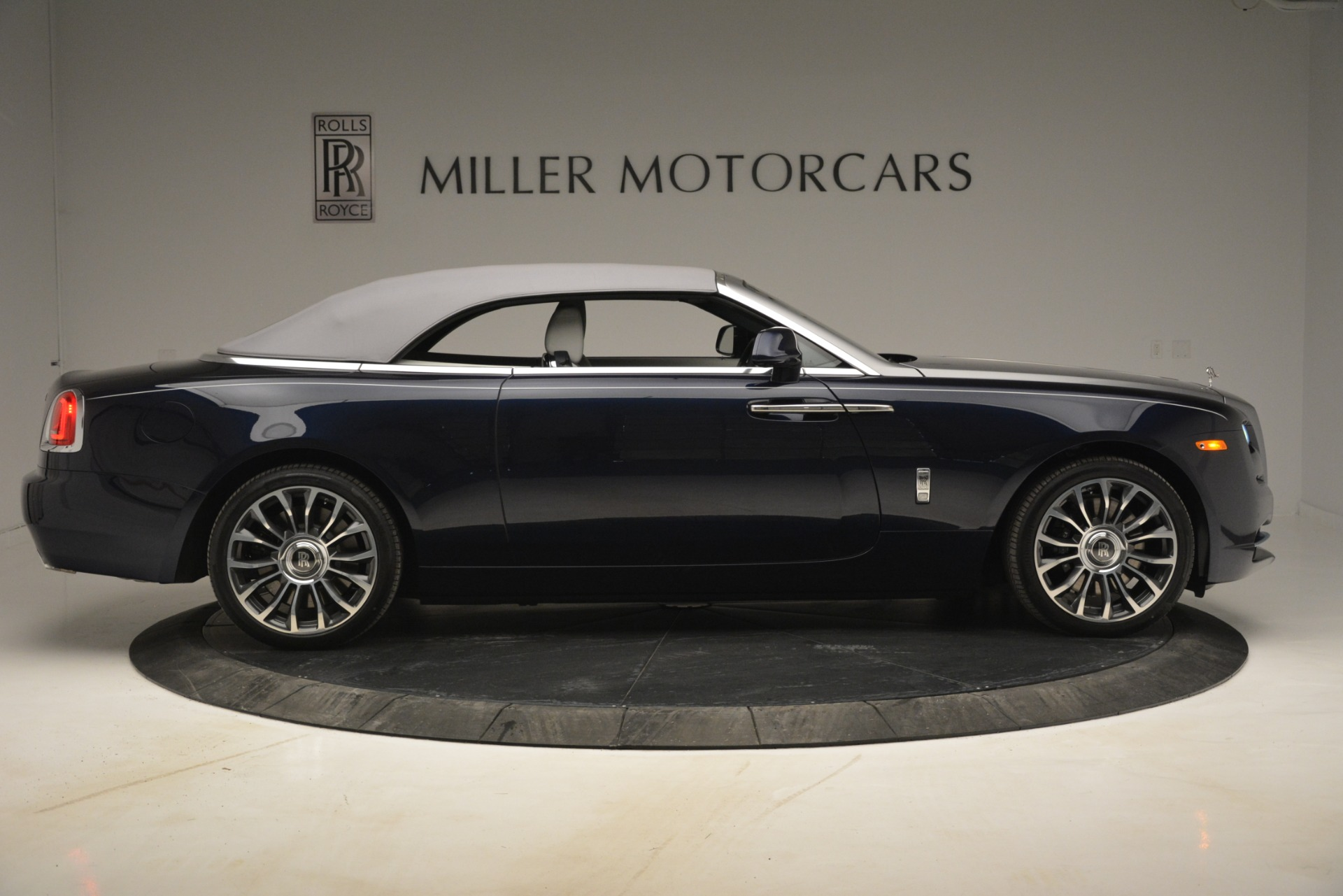 New 2019 Rolls-Royce Dawn  For Sale In Greenwich, CT 2974_p22