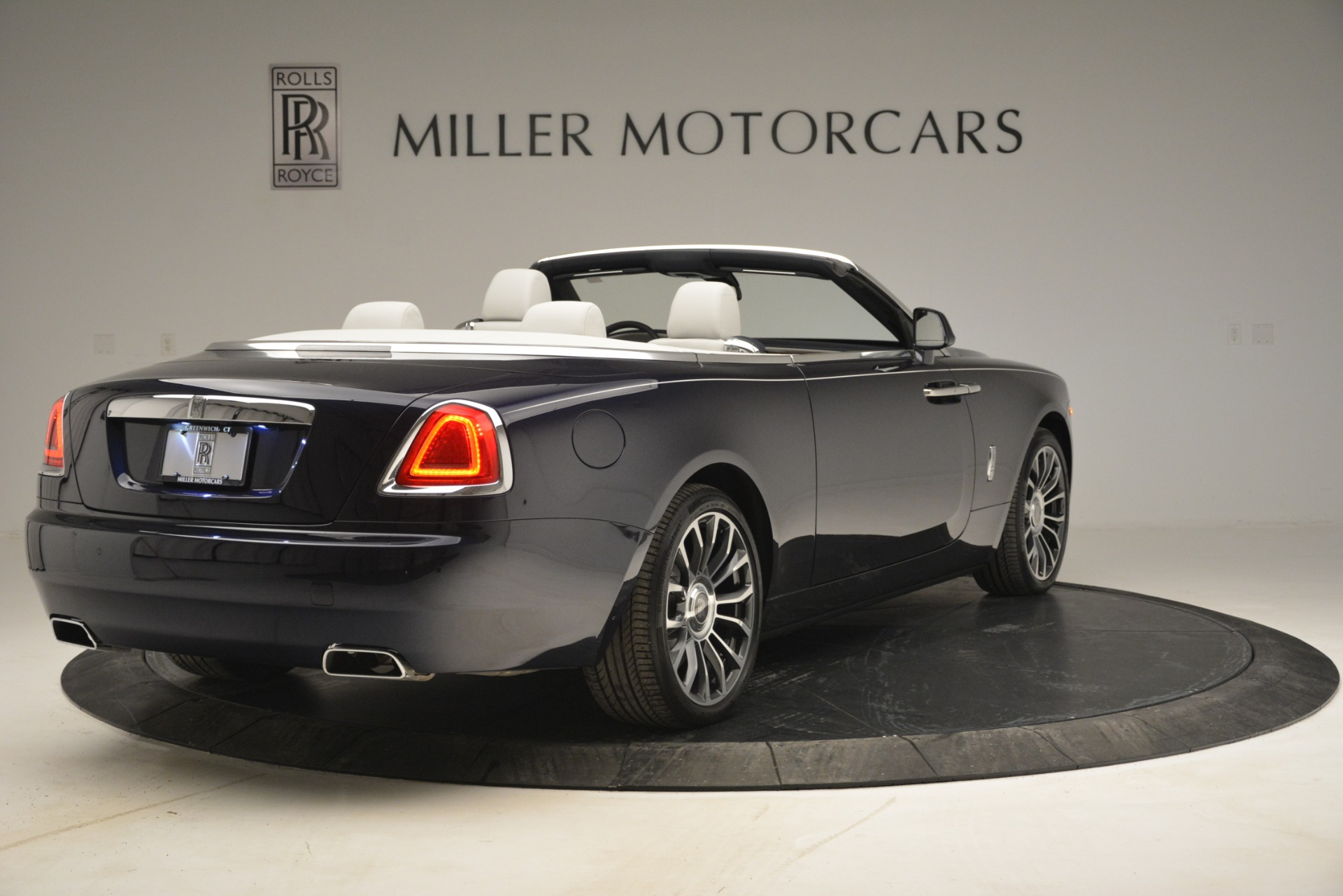 New 2019 Rolls-Royce Dawn  For Sale In Greenwich, CT 2974_p9