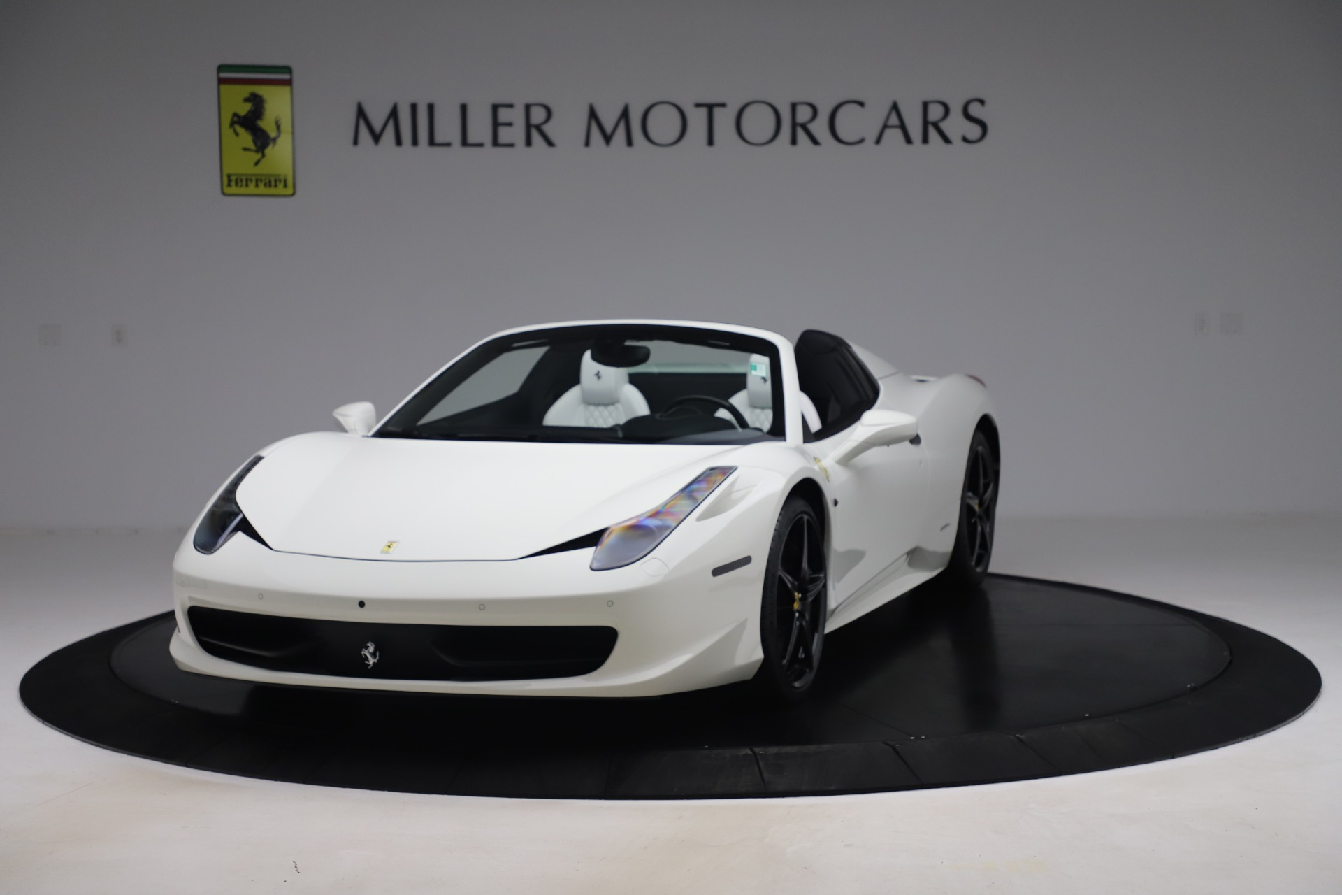 Used 2015 Ferrari 458 Spider  For Sale In Greenwich, CT 2979_main