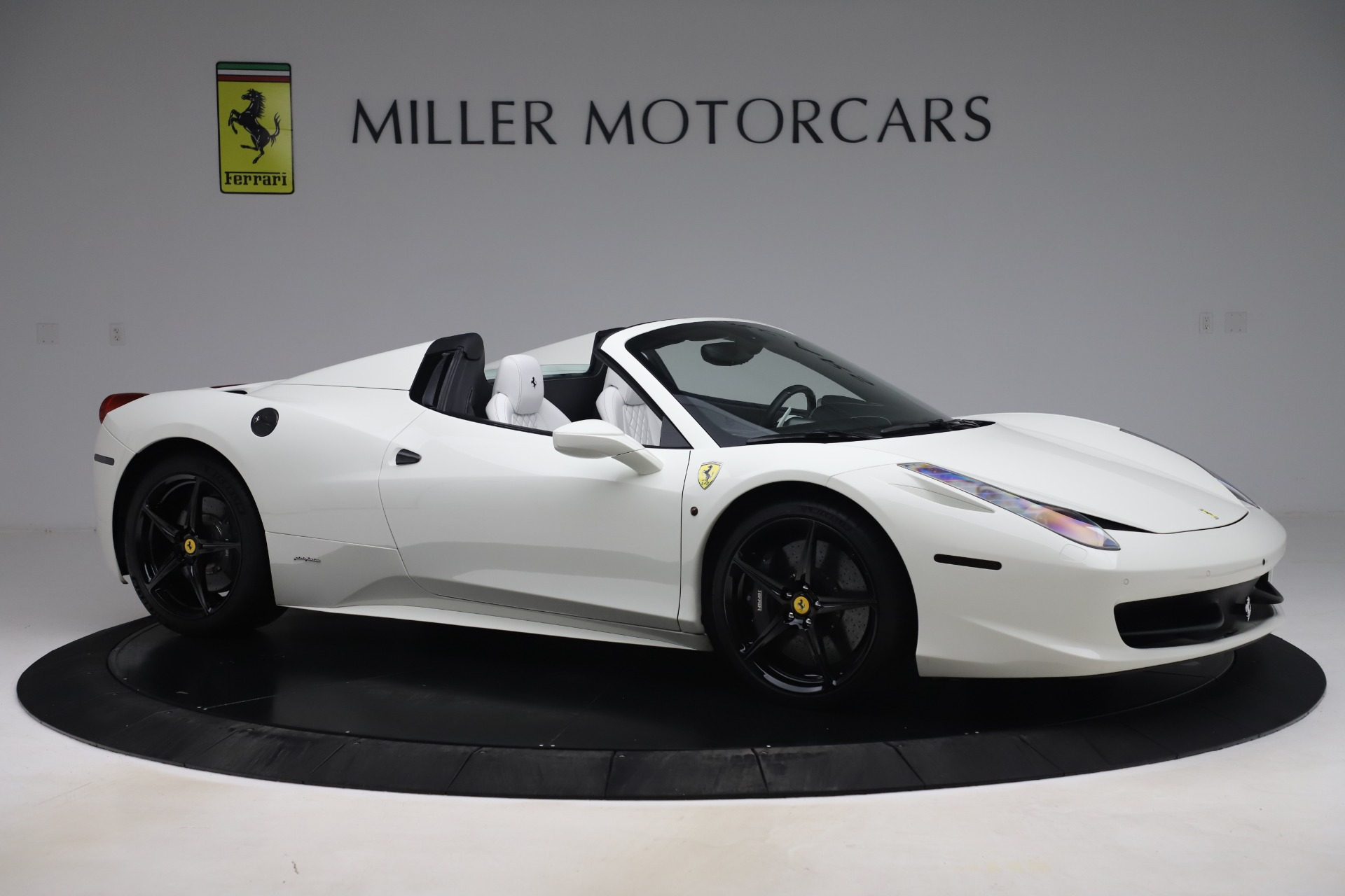 Used 2015 Ferrari 458 Spider  For Sale In Greenwich, CT 2979_p10
