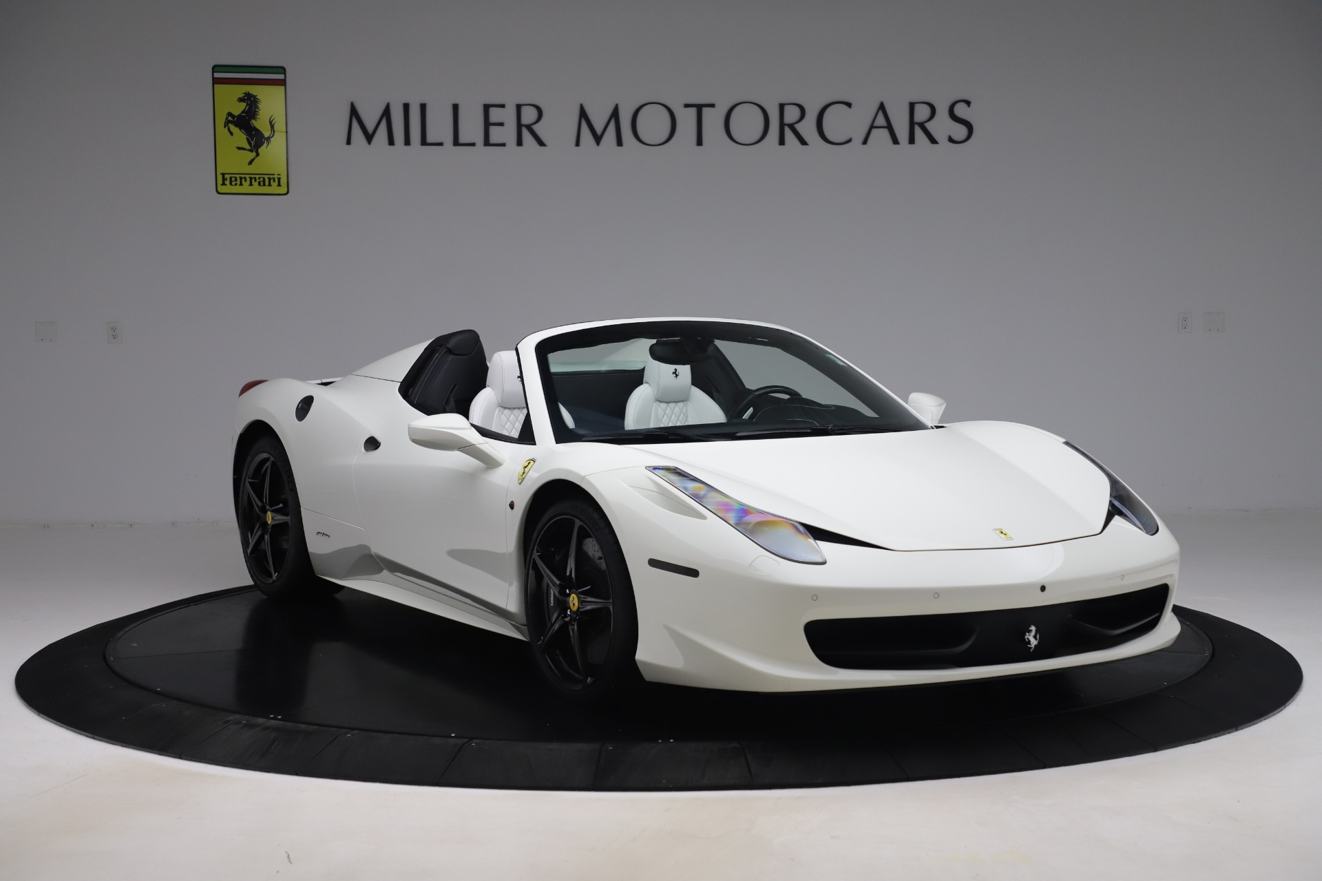 Used 2015 Ferrari 458 Spider  For Sale In Greenwich, CT 2979_p11
