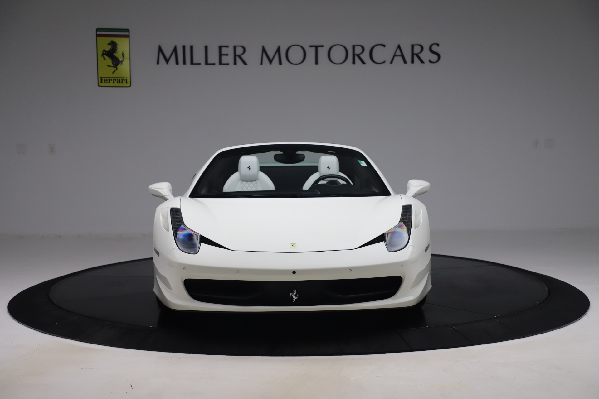 Used 2015 Ferrari 458 Spider  For Sale In Greenwich, CT 2979_p12