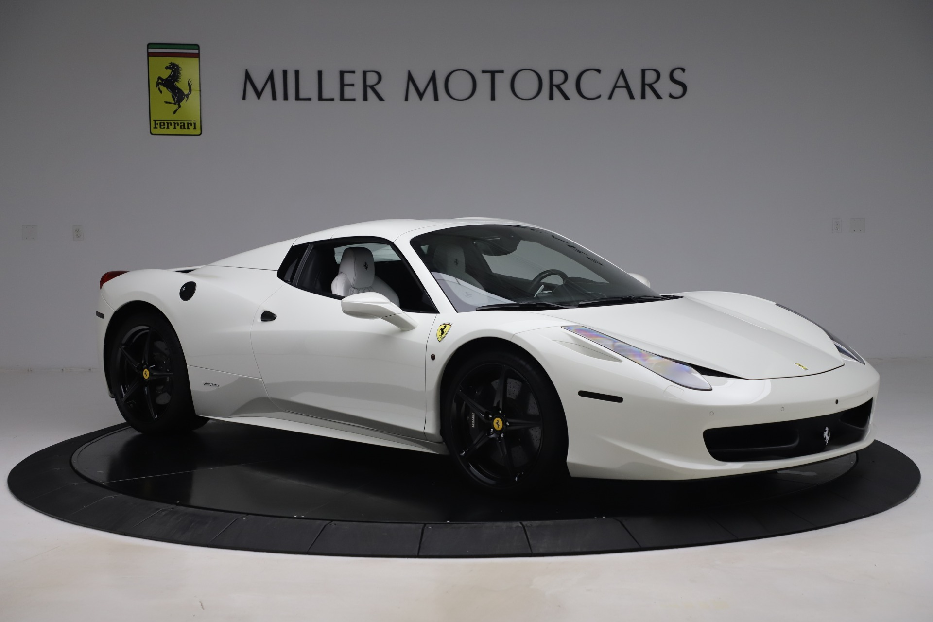 Used 2015 Ferrari 458 Spider  For Sale In Greenwich, CT 2979_p16