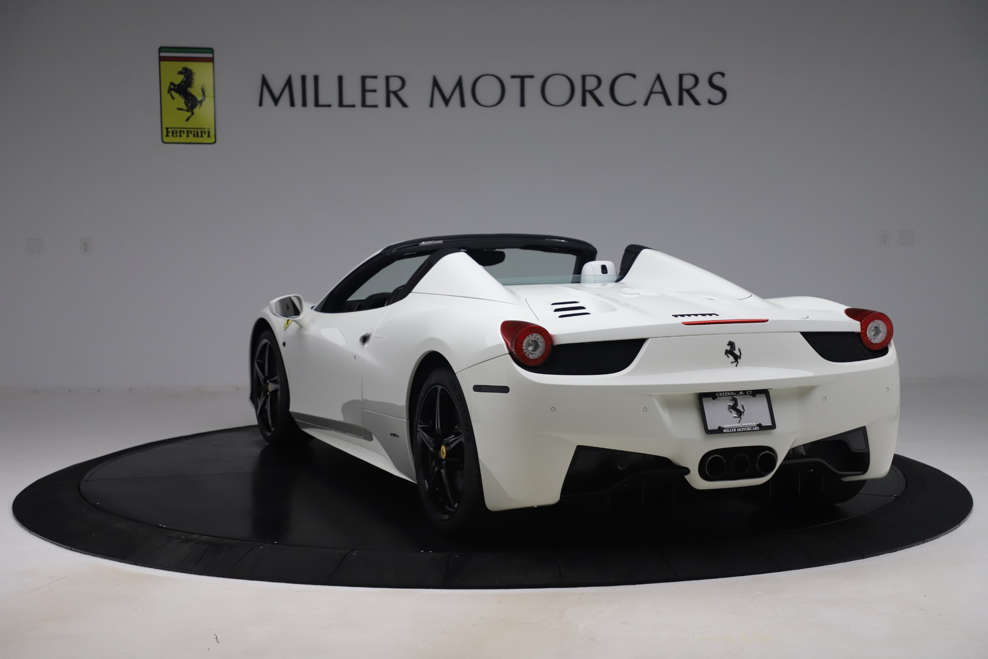 Used 2015 Ferrari 458 Spider  For Sale In Greenwich, CT 2979_p5