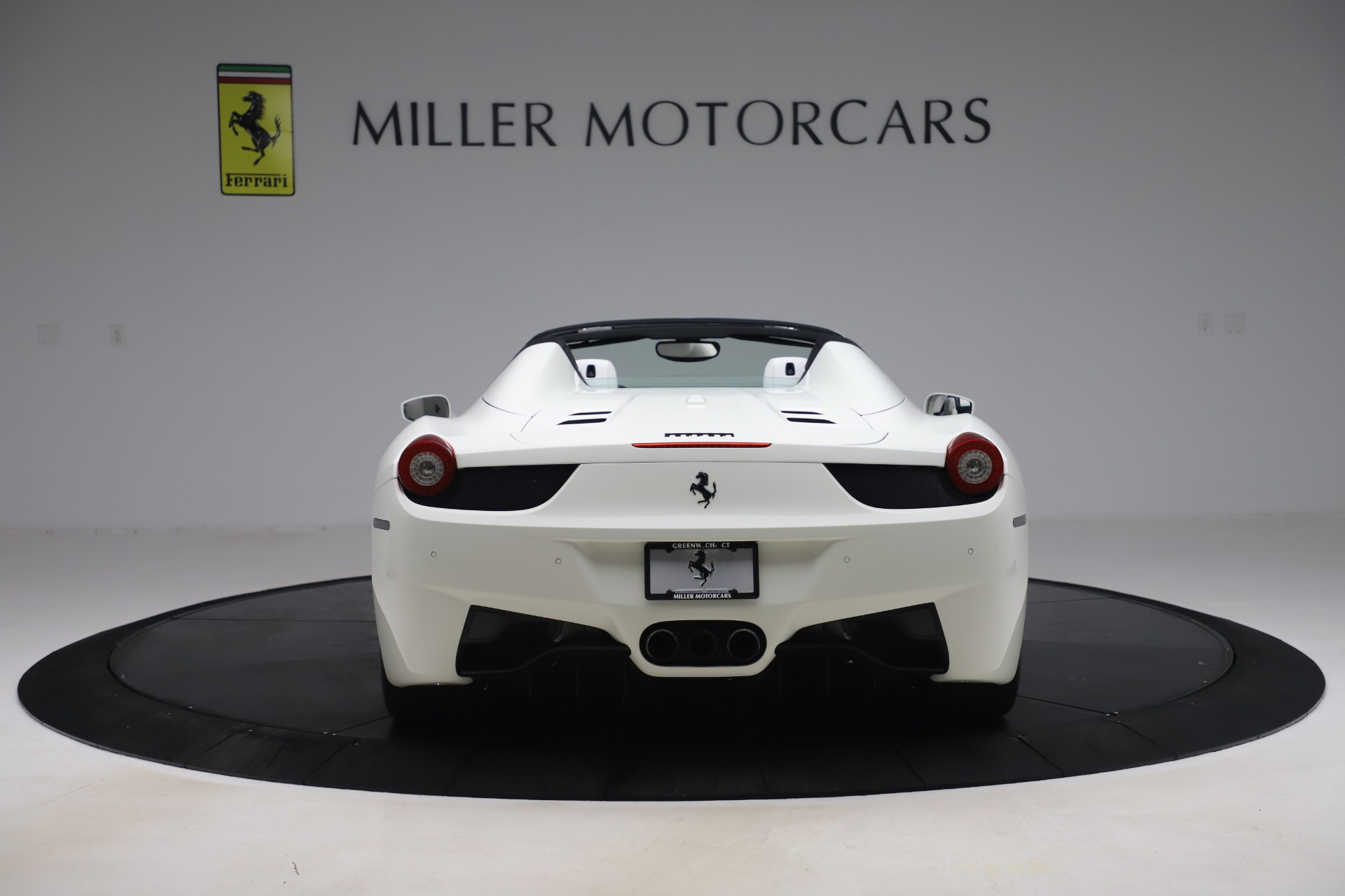 Used 2015 Ferrari 458 Spider  For Sale In Greenwich, CT 2979_p6