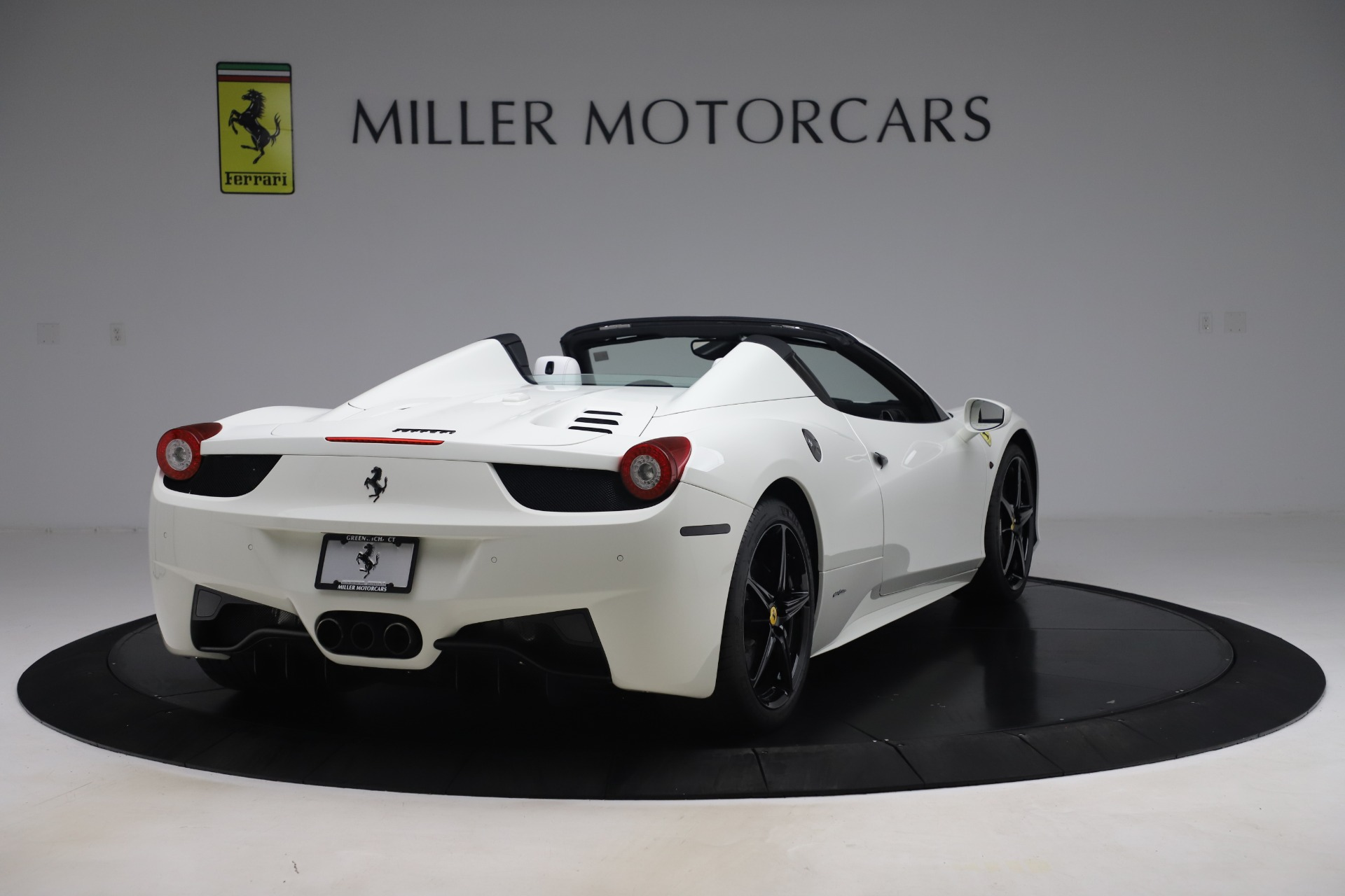 Used 2015 Ferrari 458 Spider  For Sale In Greenwich, CT 2979_p7