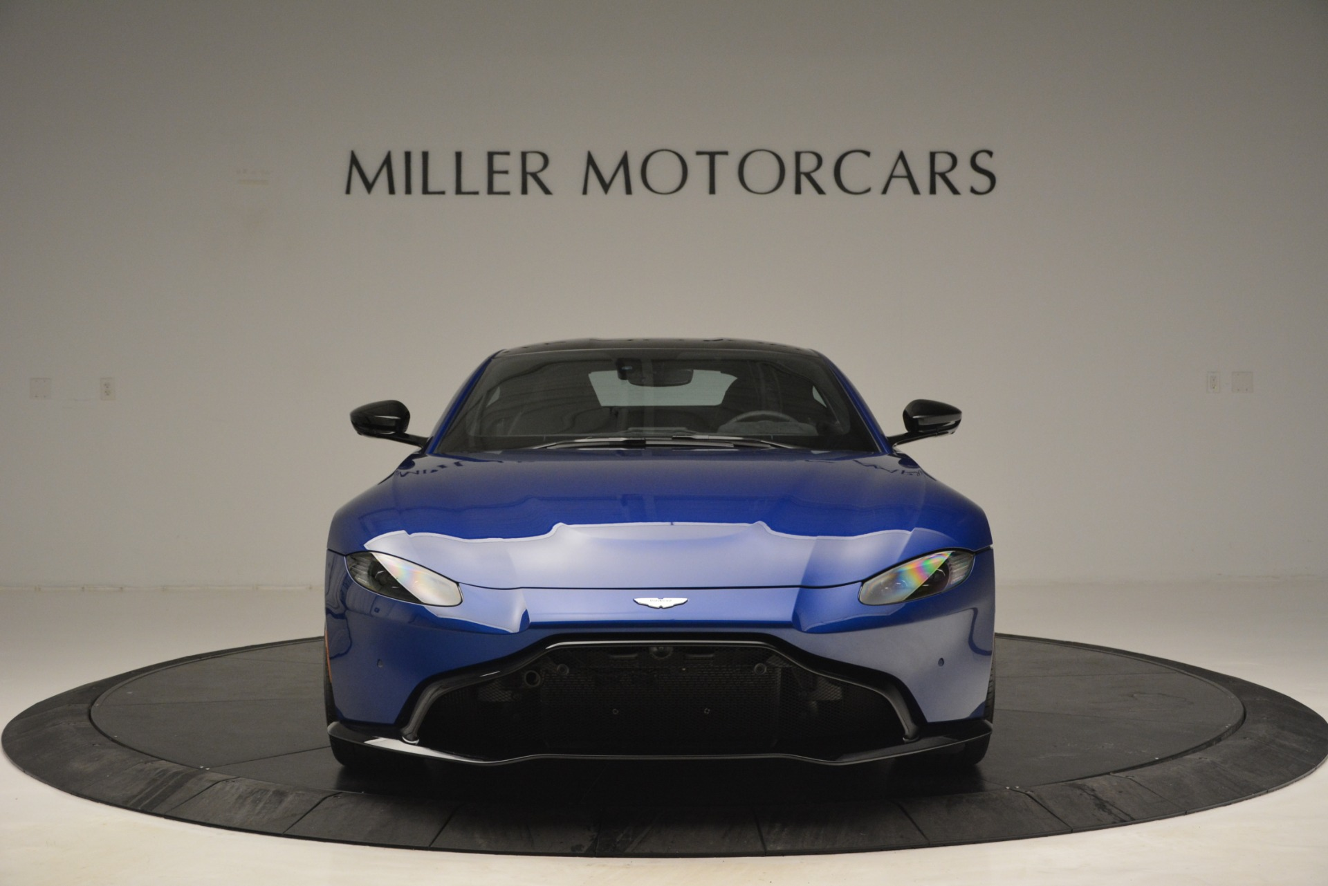 Used 2019 Aston Martin Vantage Coupe For Sale In Greenwich, CT 2981_p11