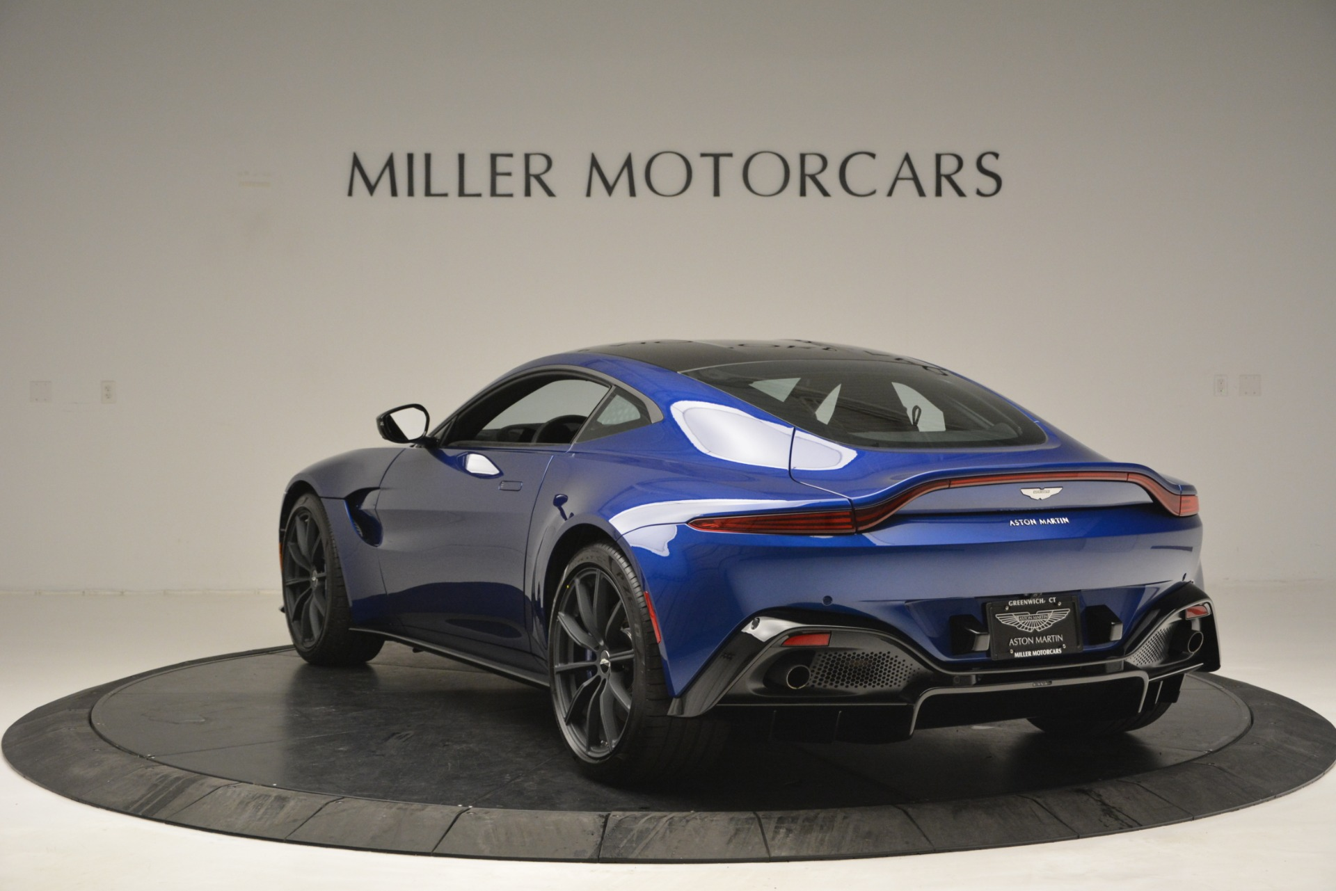 Used 2019 Aston Martin Vantage Coupe For Sale In Greenwich, CT 2981_p5
