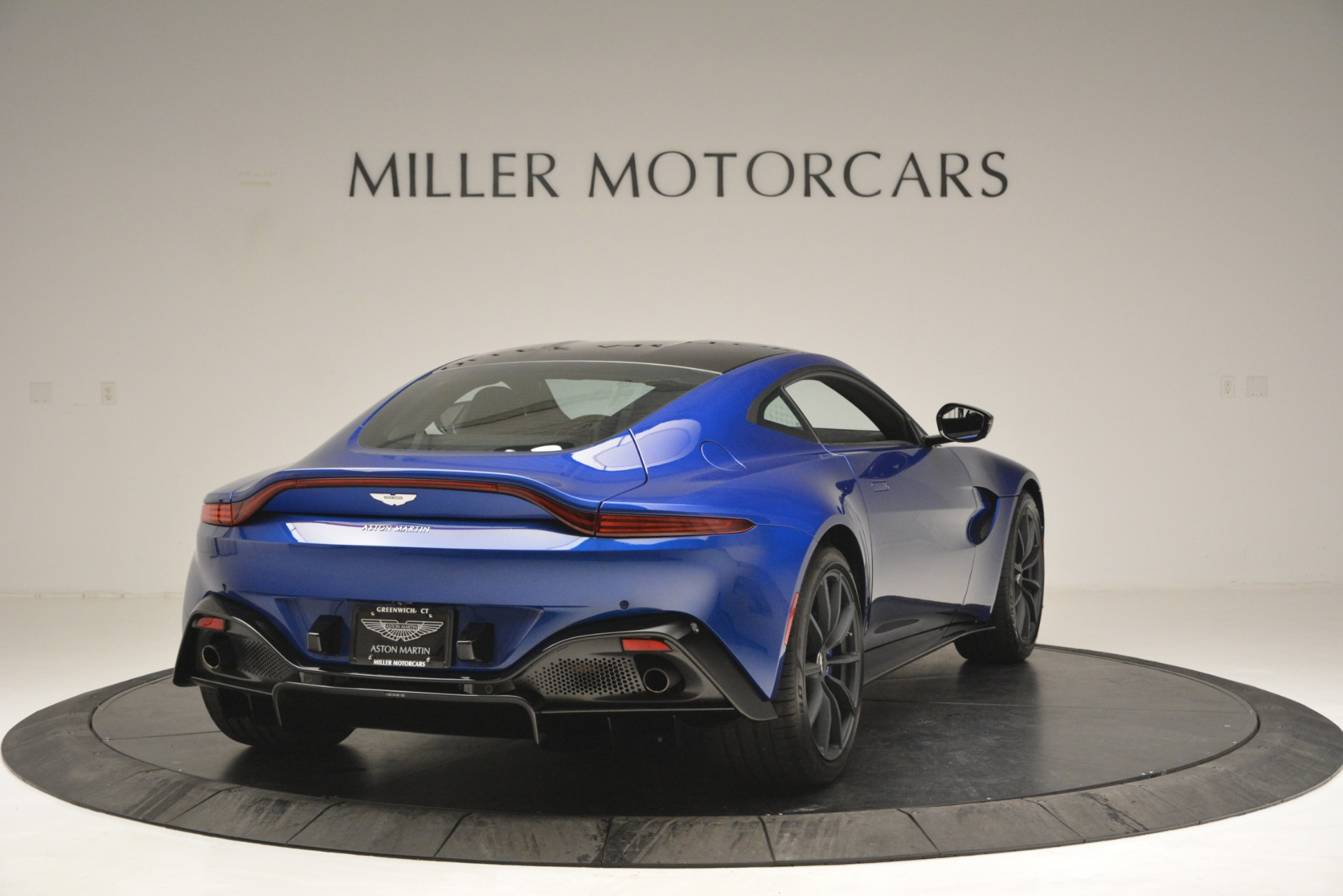 Used 2019 Aston Martin Vantage Coupe For Sale In Greenwich, CT 2981_p7